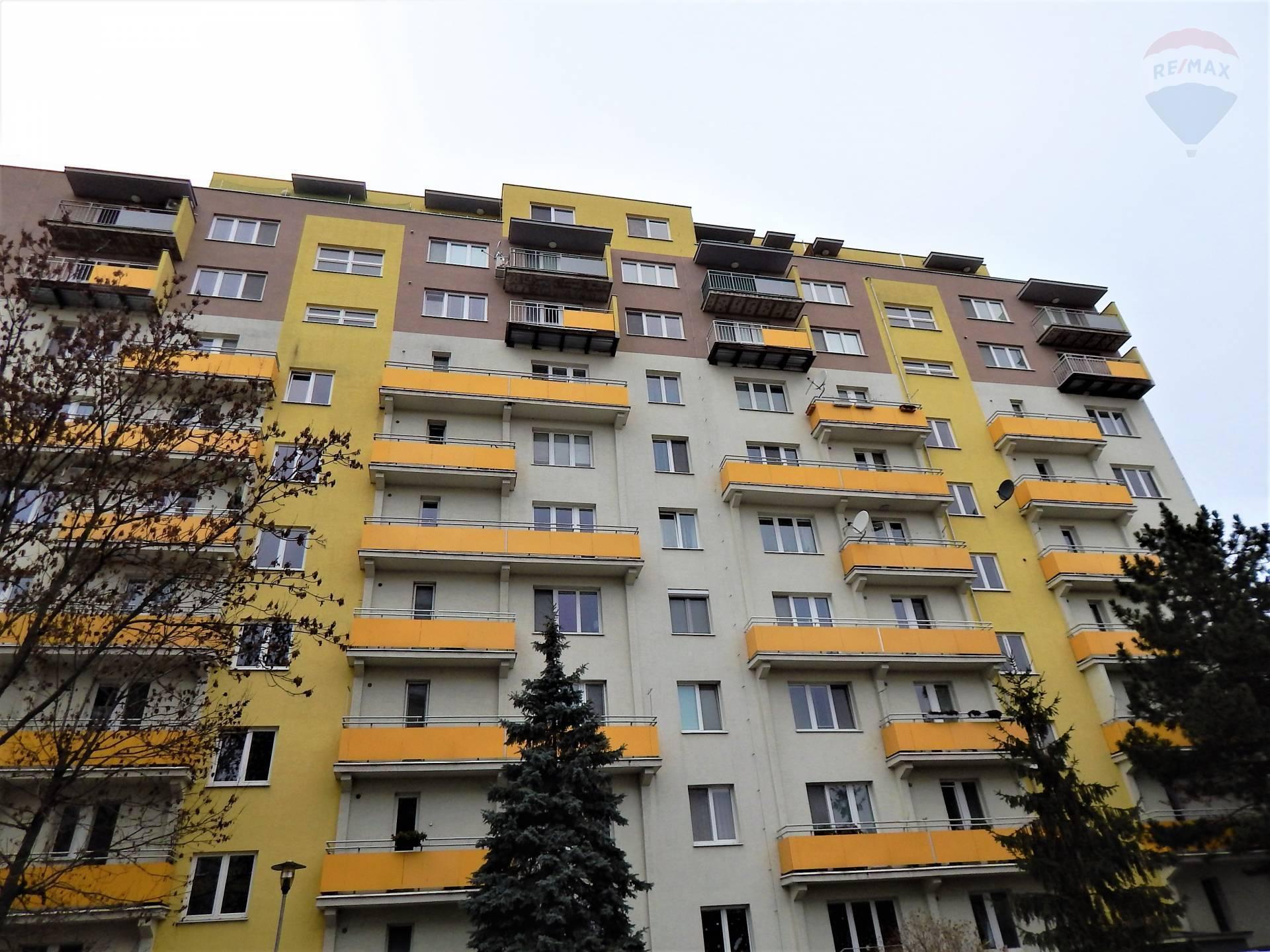 Prenájom : Priestranný , svetlý 2-byt s balkónom vo výbornej lokalite , ulica Riazanská, Nové mesto