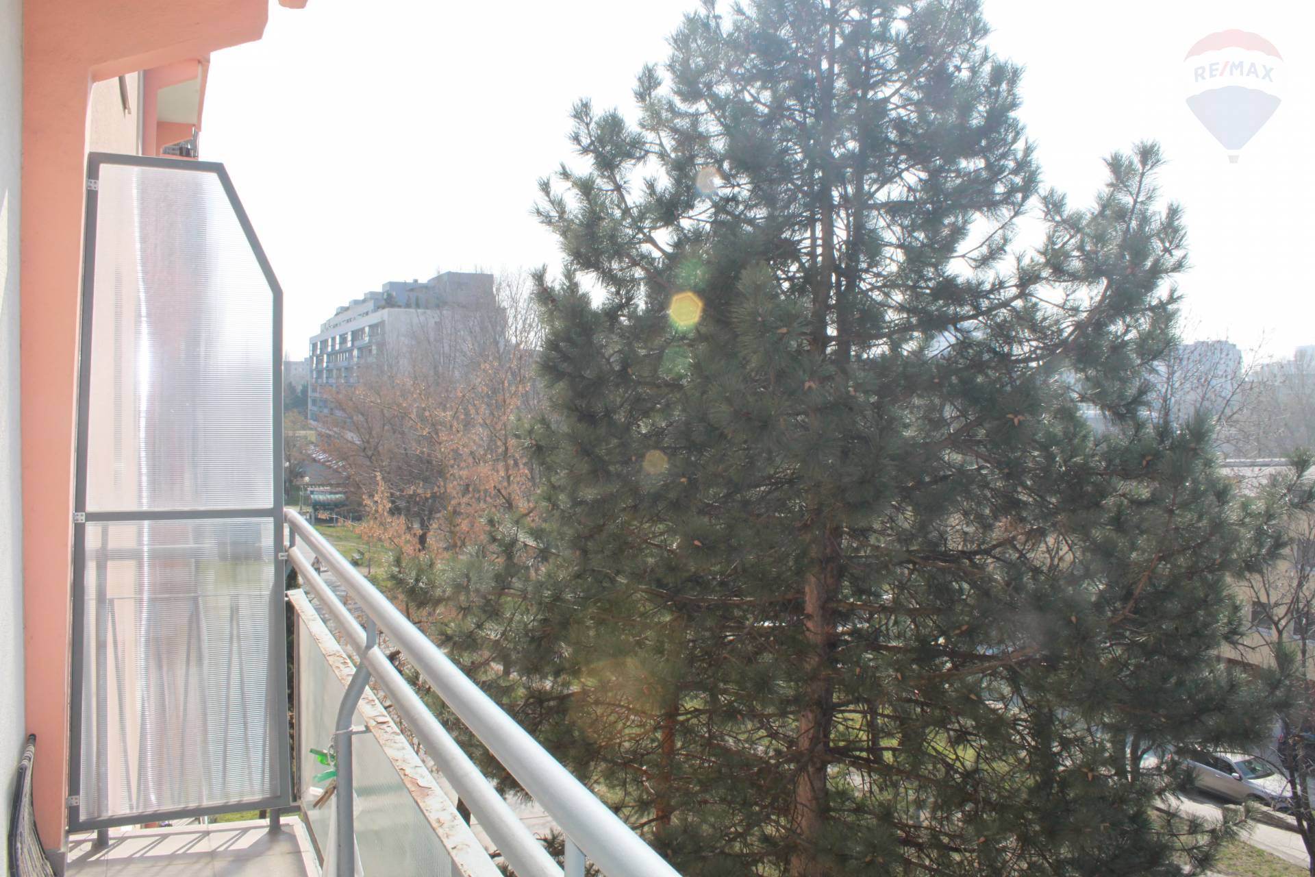 Predaj bytu (3 izbový) 80 m2, Bratislava - Ružinov -