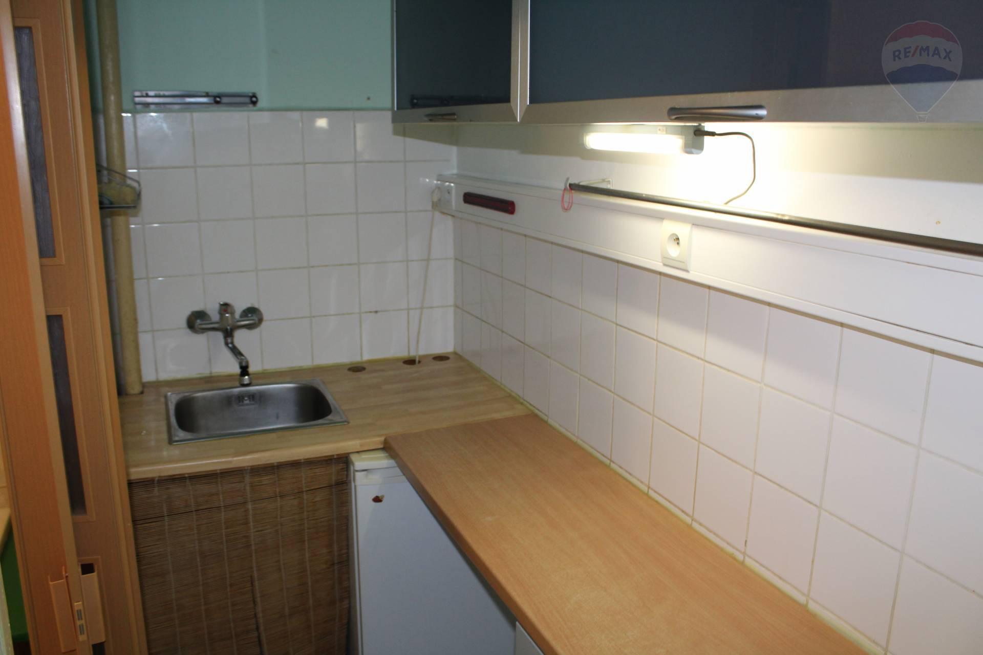 Predaj bytu (garsónka) 28 m2, Bratislava - Nové Mesto -