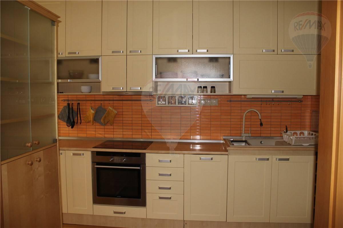 Prenájom bytu (3 izbový) 86 m2, Bratislava - Nové Mesto -