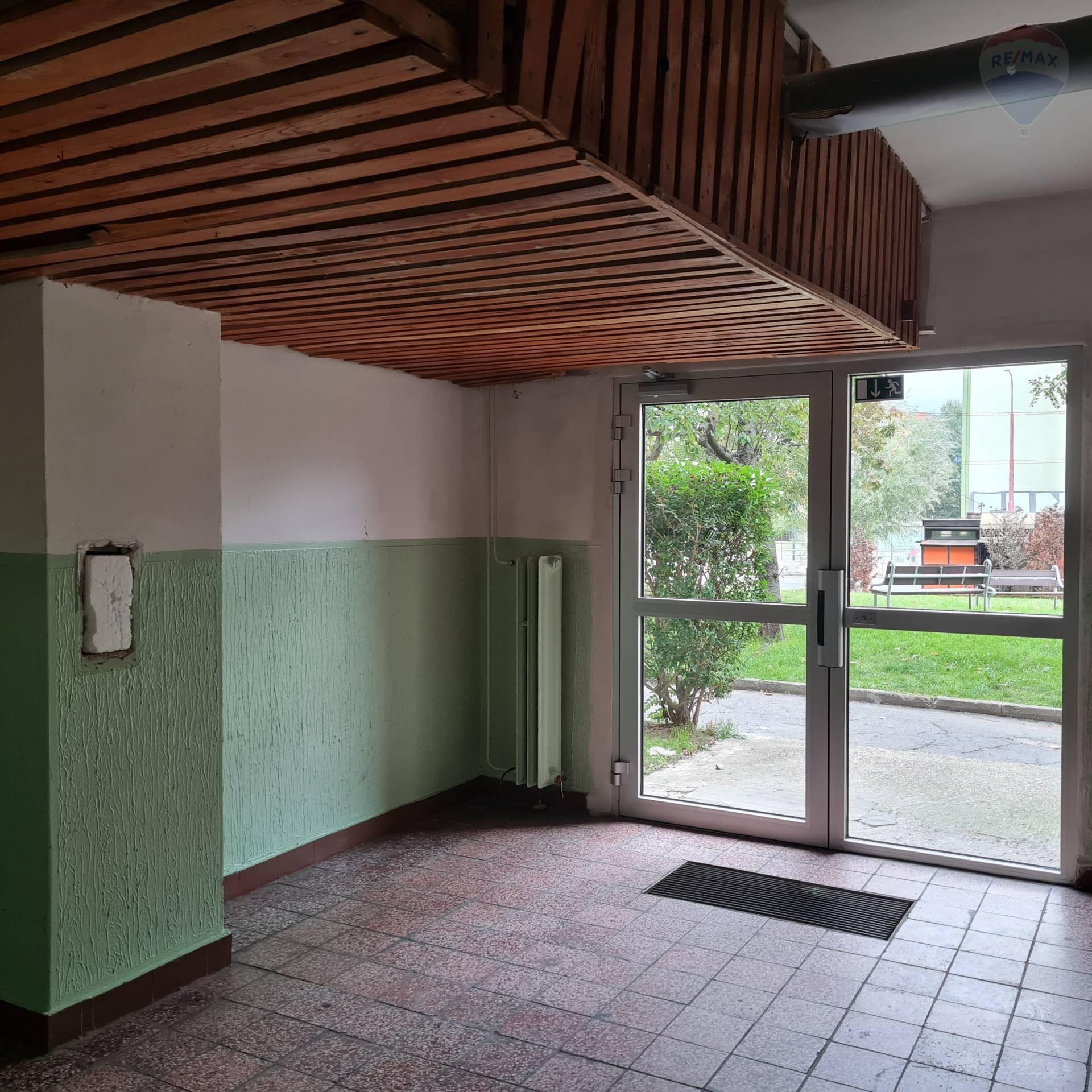 Predaj bytu (2 izbový) 57 m2, Bratislava - Dúbravka -