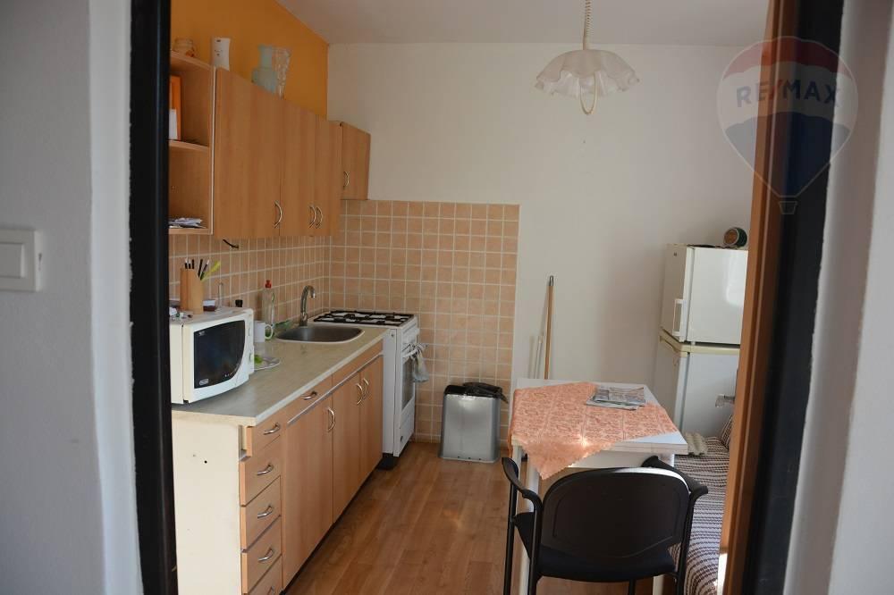 Prenájom/ 1 izbový byt/ Vrútky