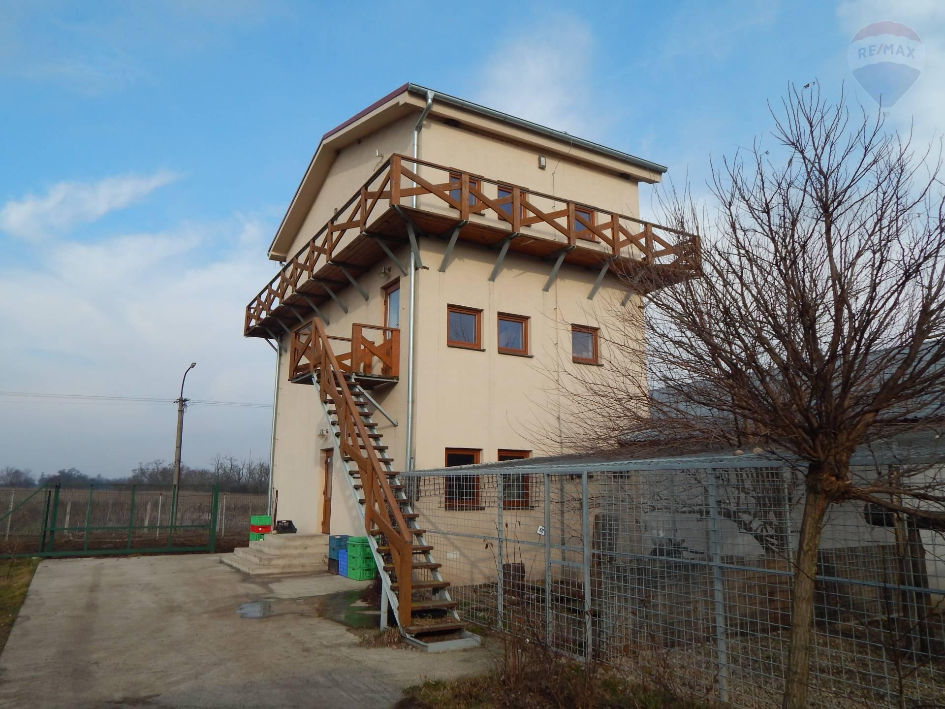 Poľnohospodárske budovy a zariadenia, farma EXKLUZÍVNE