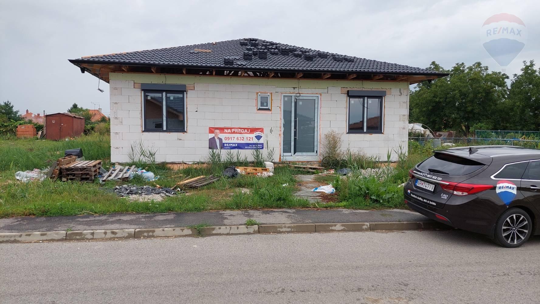 REZERVOVANÉ  Predaj 4 izbový rodinný dom Ivánka pri Nitre vo výstavbe