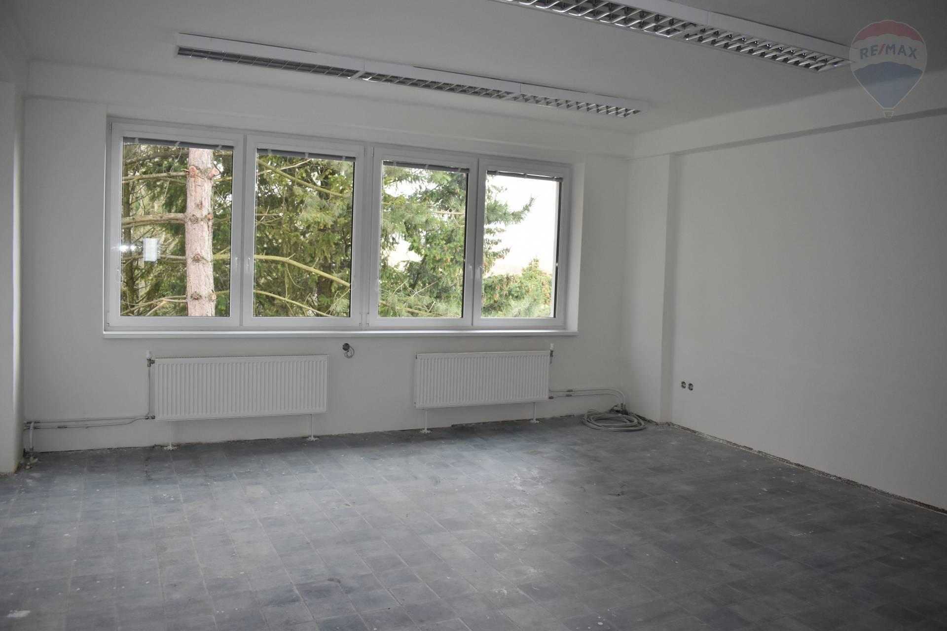Prenájom komerčného priestoru 325 m2, Nitra -