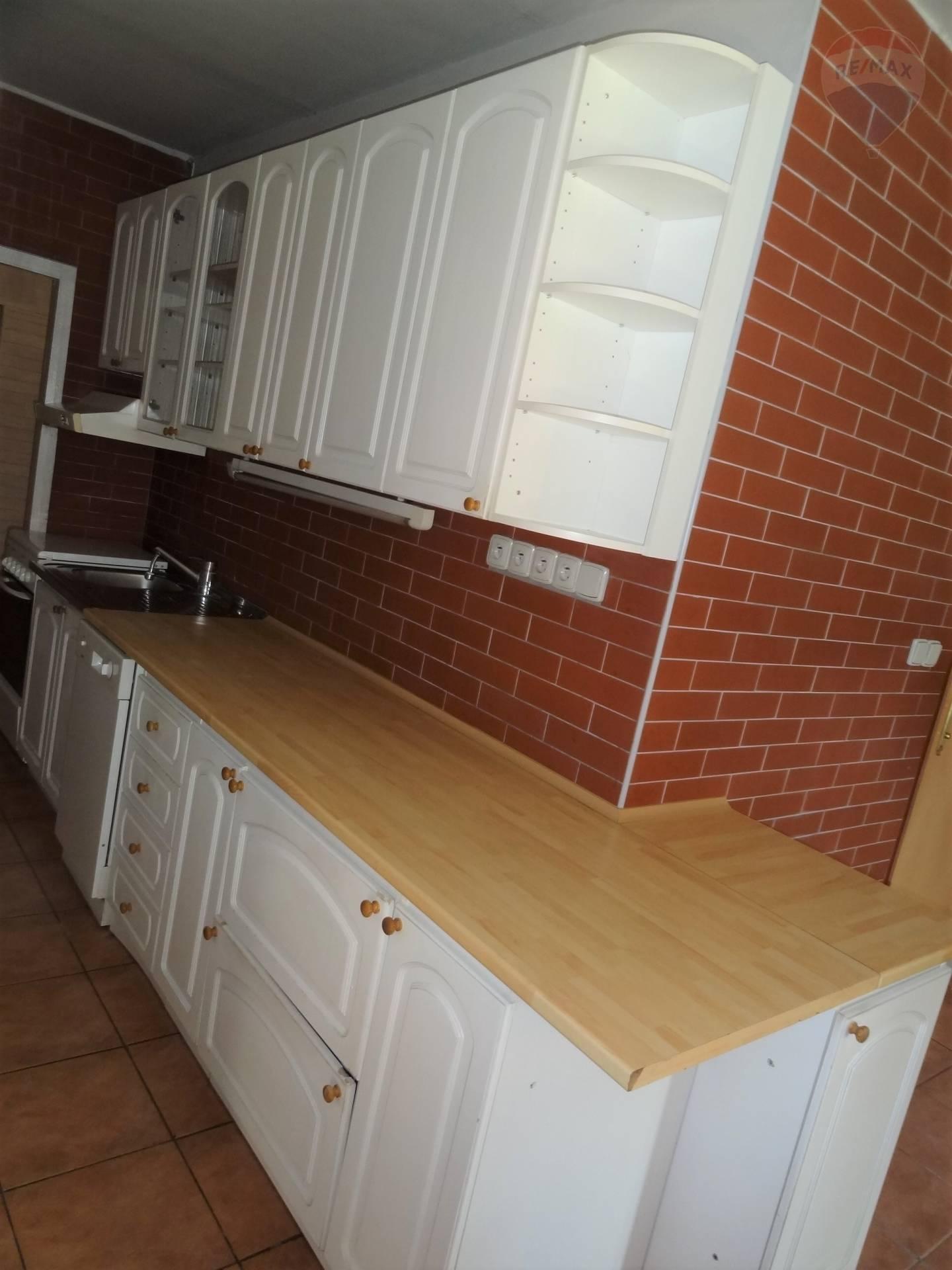 Predaj 4 izbový byt, Nitra, Klokočina