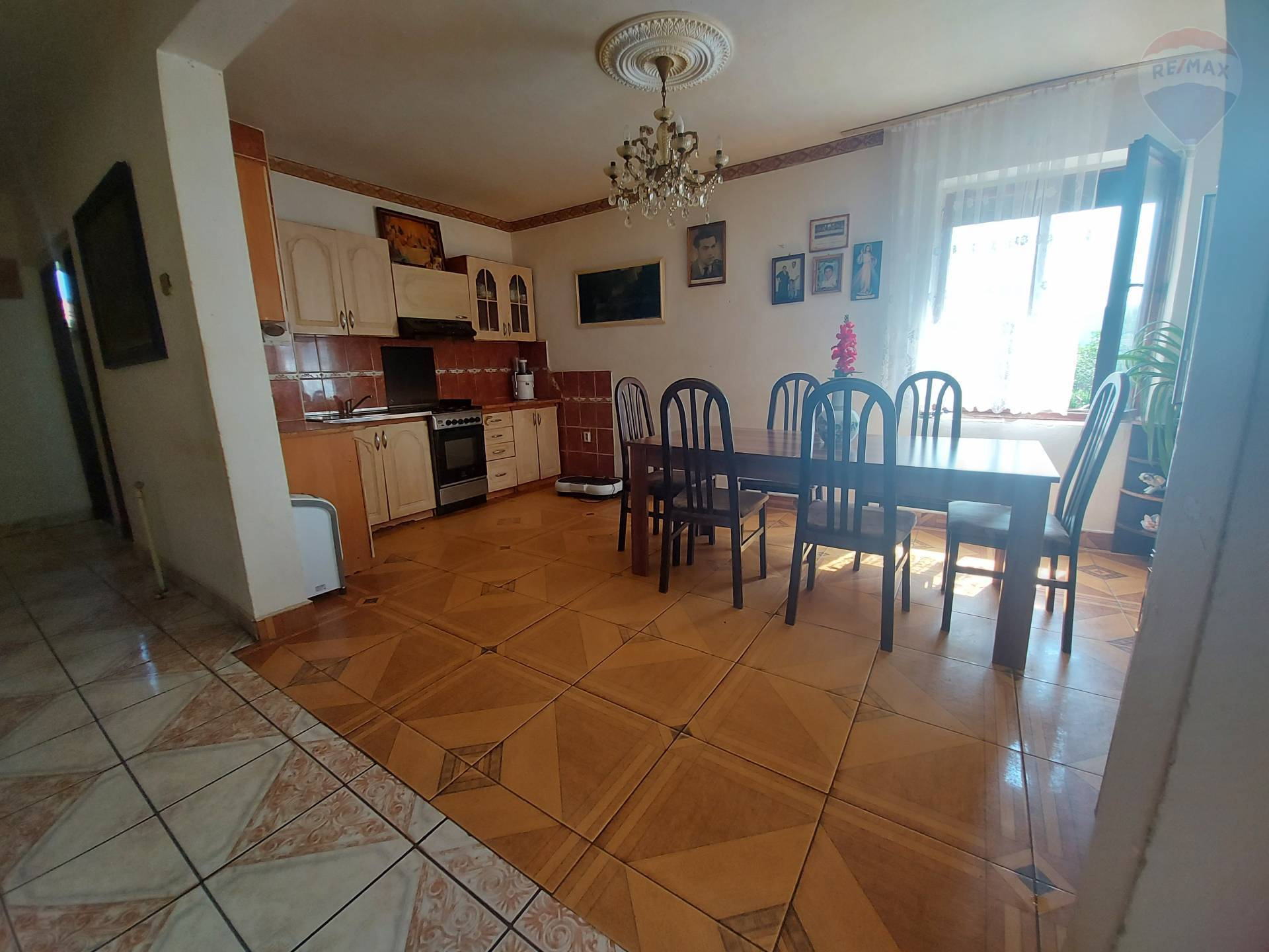 Predaj dom 5 izbový dvojgeneračný Jelšovce, Nitra