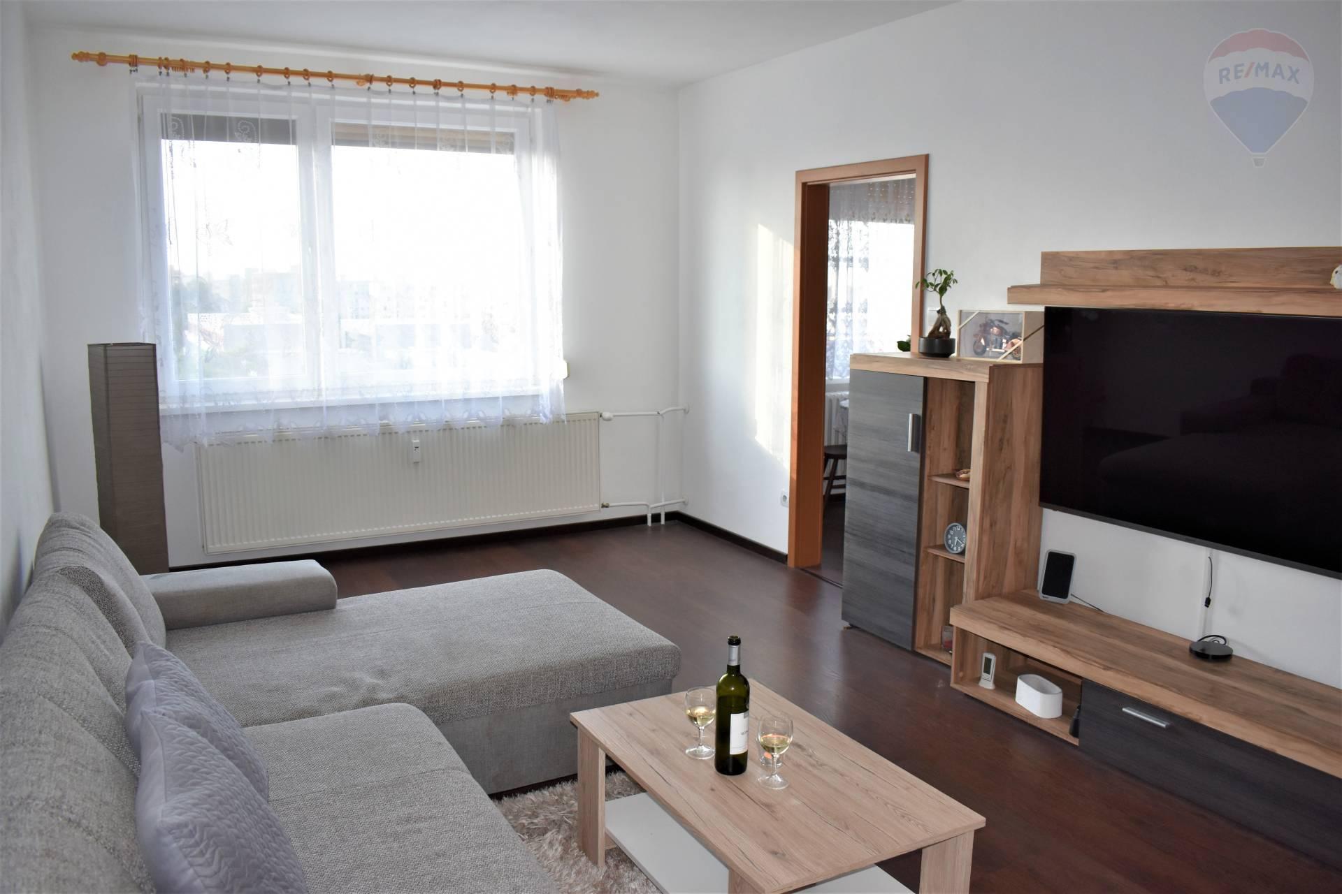 REZERVOVANÉ! Predaj 3 izbový zrekonštruovaný byt s krásnym vyhľadom