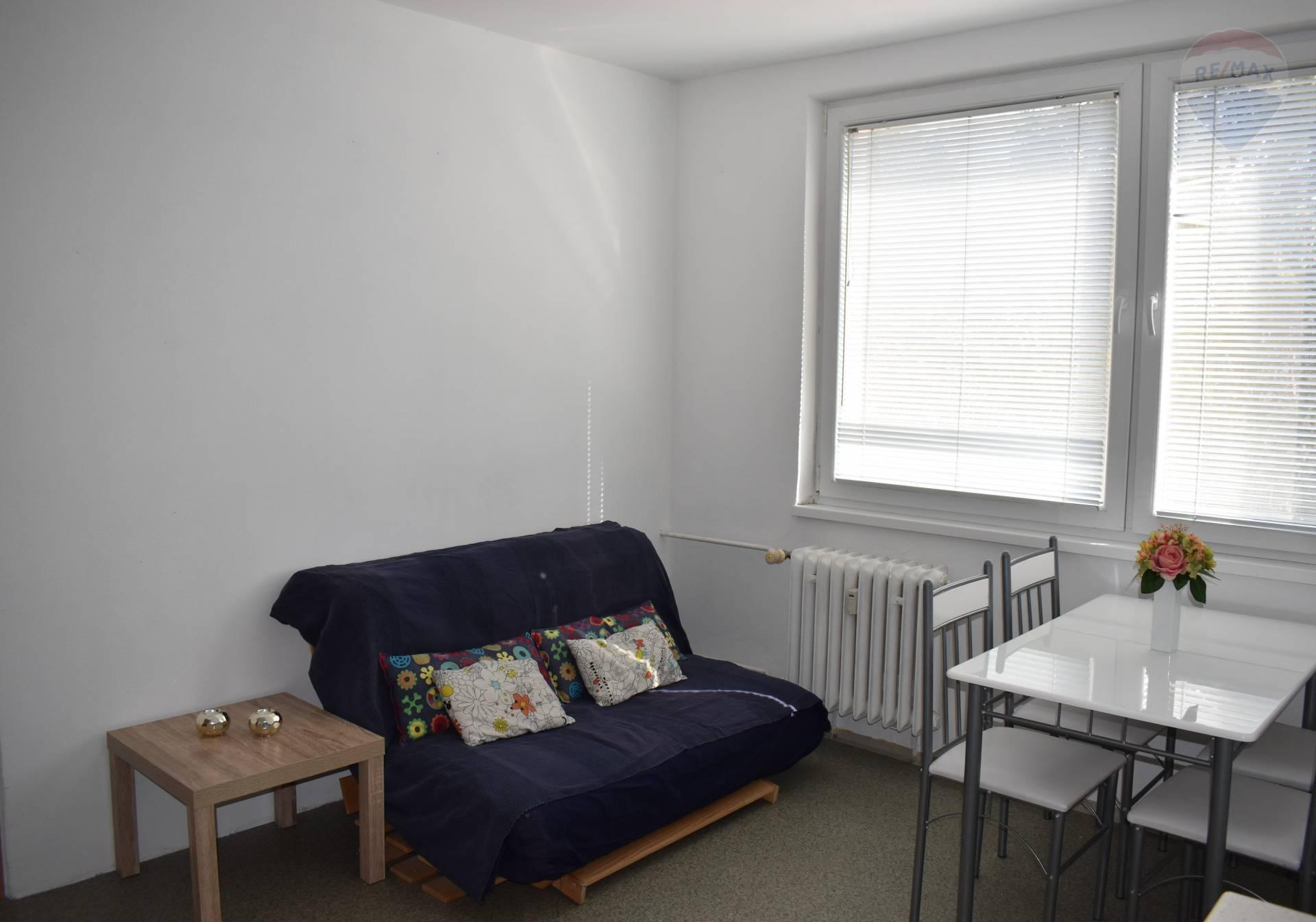 Prenájom bytu (1 izbový) 36 m2, Nitra - Jedálenský kút