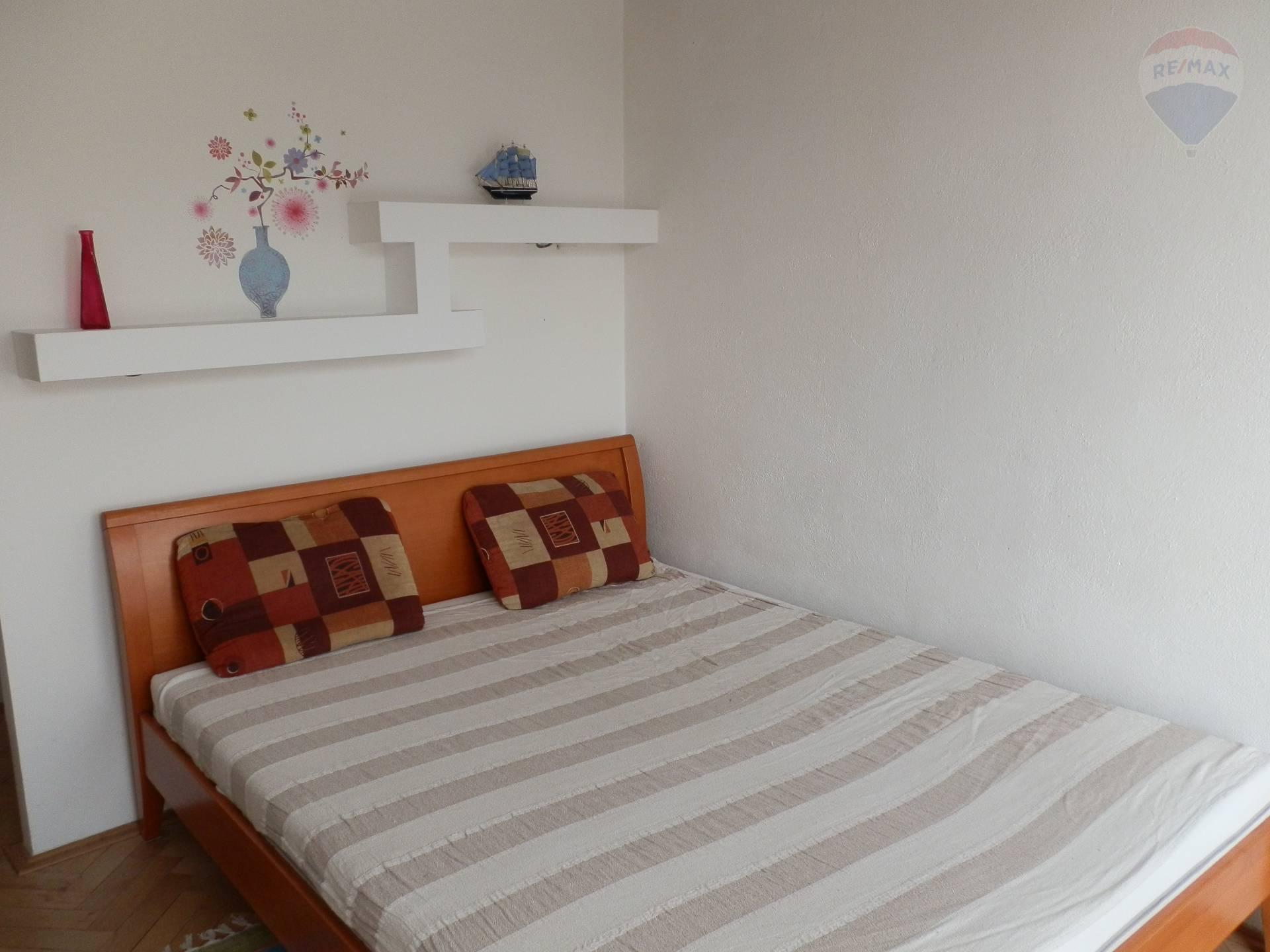 Prenájom 3 izbový byt (samostatná izba) Wilsonovo nábrežie Nitra