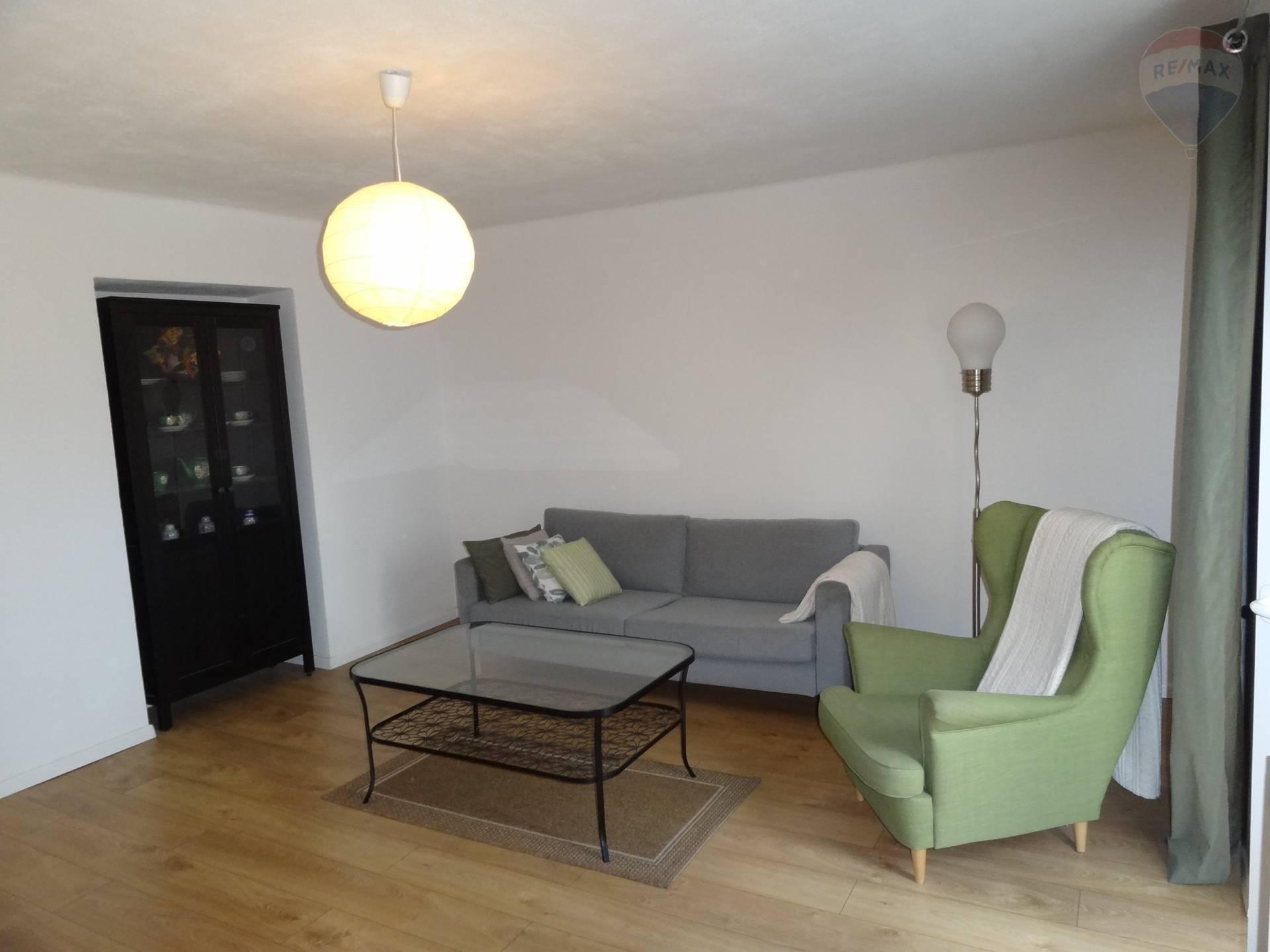 Prenájom veľký 2 izbový byt, Nitra, Bernolákova ul.