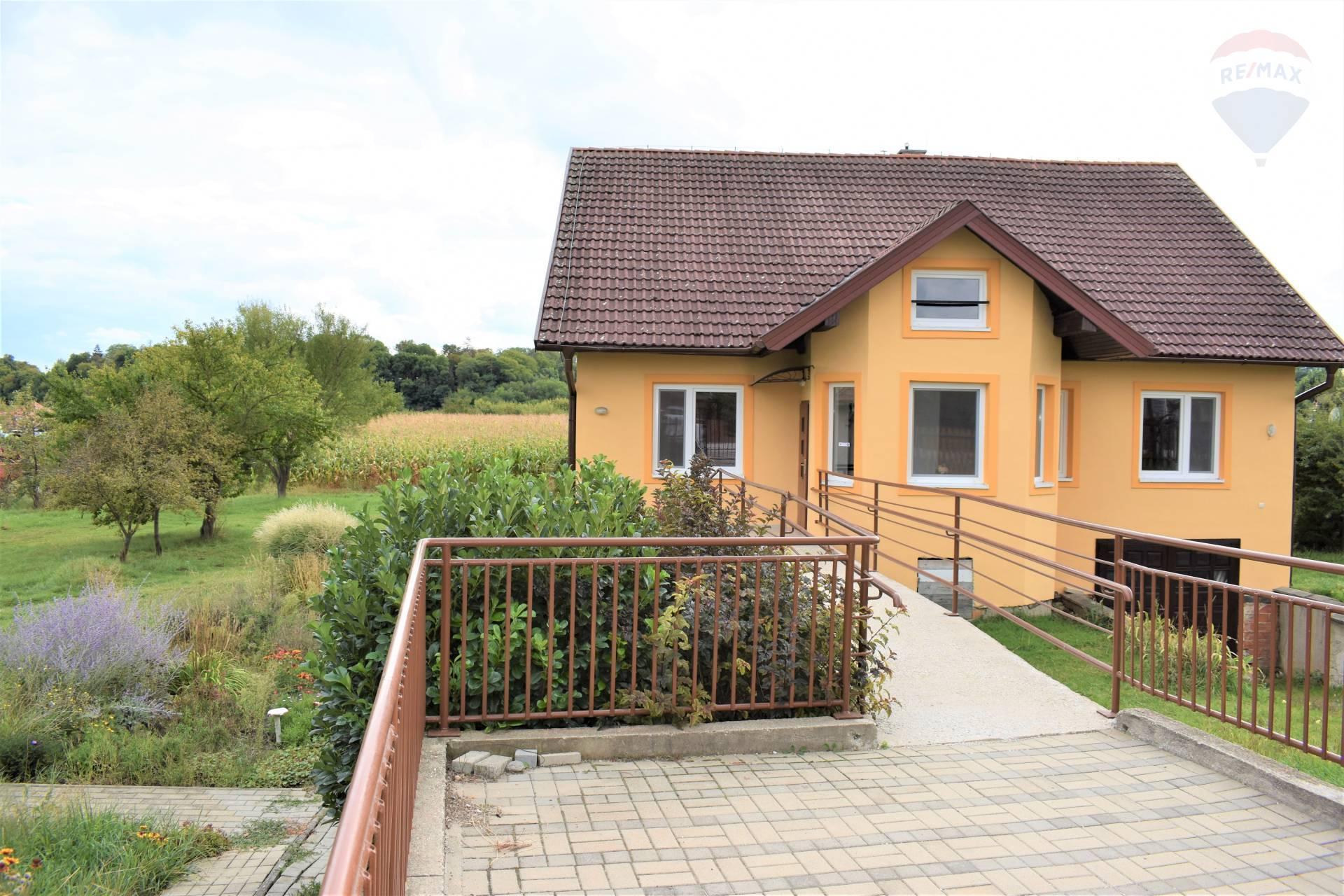 Predaj 6 izbový rodinný dom s veľkým pozemkom, Nitra, Cabaj