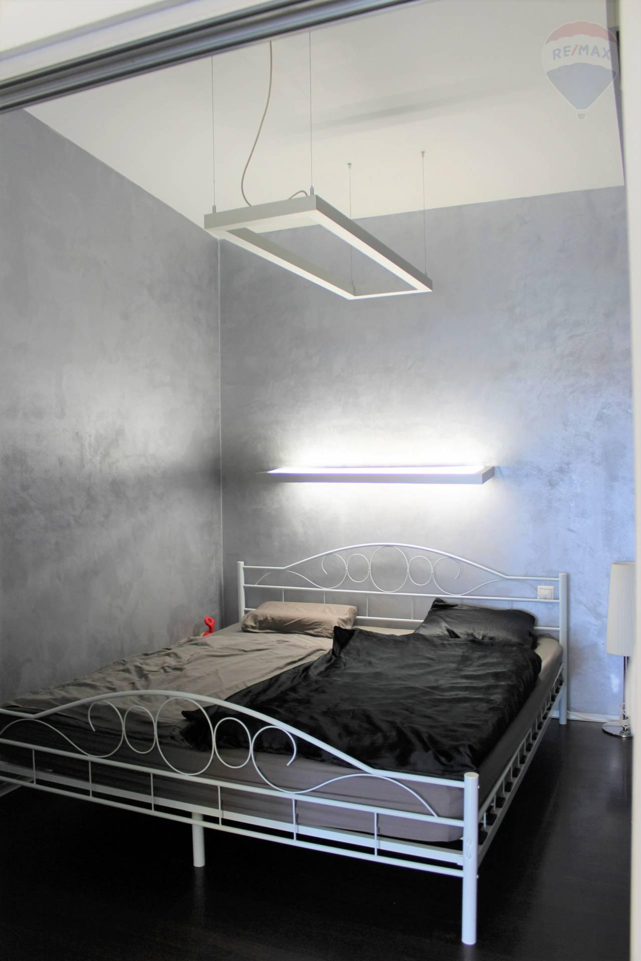 Prenájom bytu (2 izbový) 45 m2, Bratislava - Ružinov -