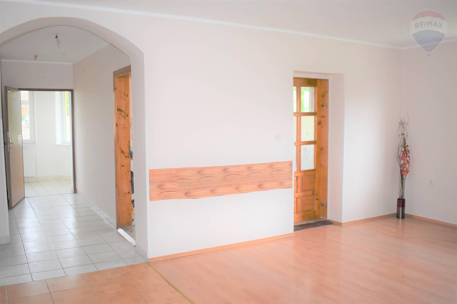 Predaj komerčného objektu 320 m2, Cabaj-Čápor -
