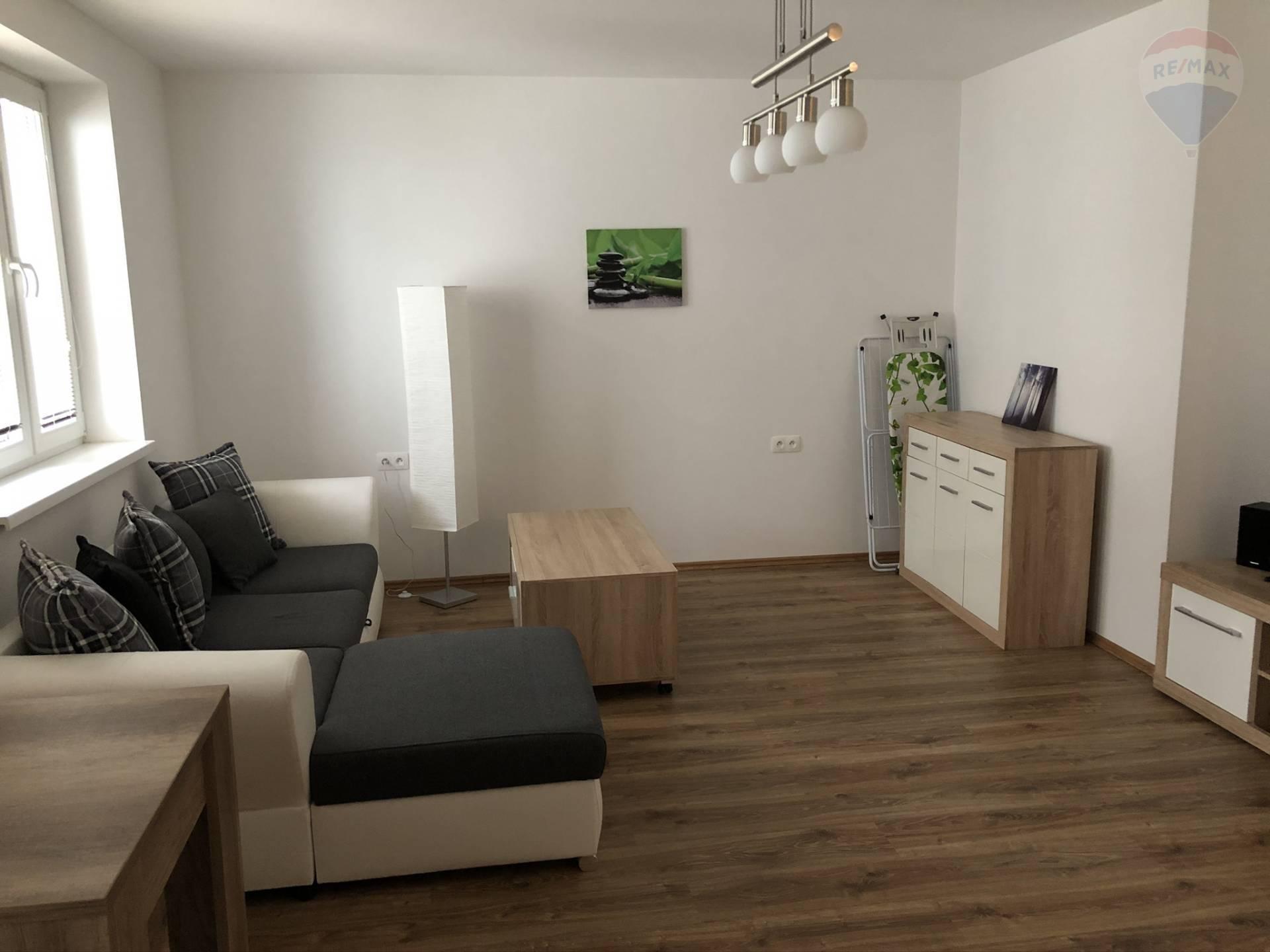 Prenájom bytu (1 izbový) 39 m2, Nitra - Prenájom Čermáň Nitra