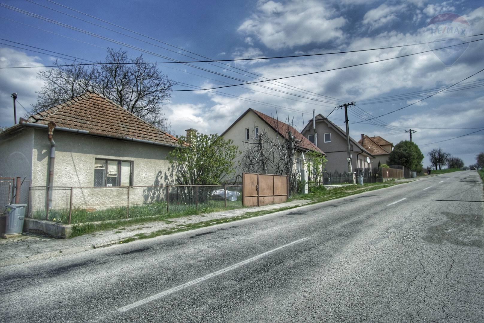 Predaj 2 izbového rodinného domu s pozemkom o rozlohe 14ar - Obsolovce