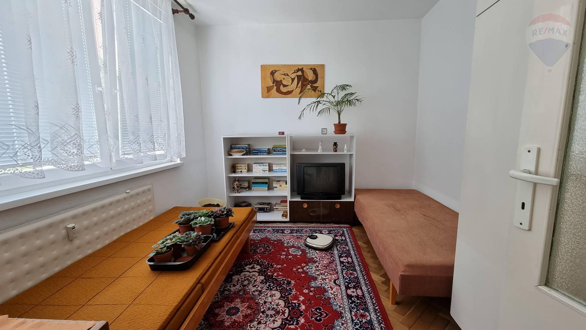 Predaj bytu (4 izbový) 82 m2, Topoľčany -