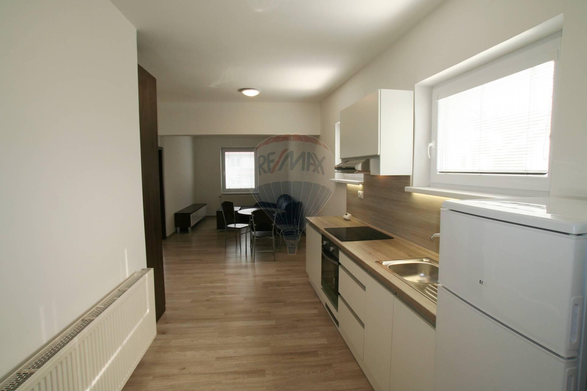 Na prenájom nový 2 izbový byt vblízkosti kúpeľov Piešťany.