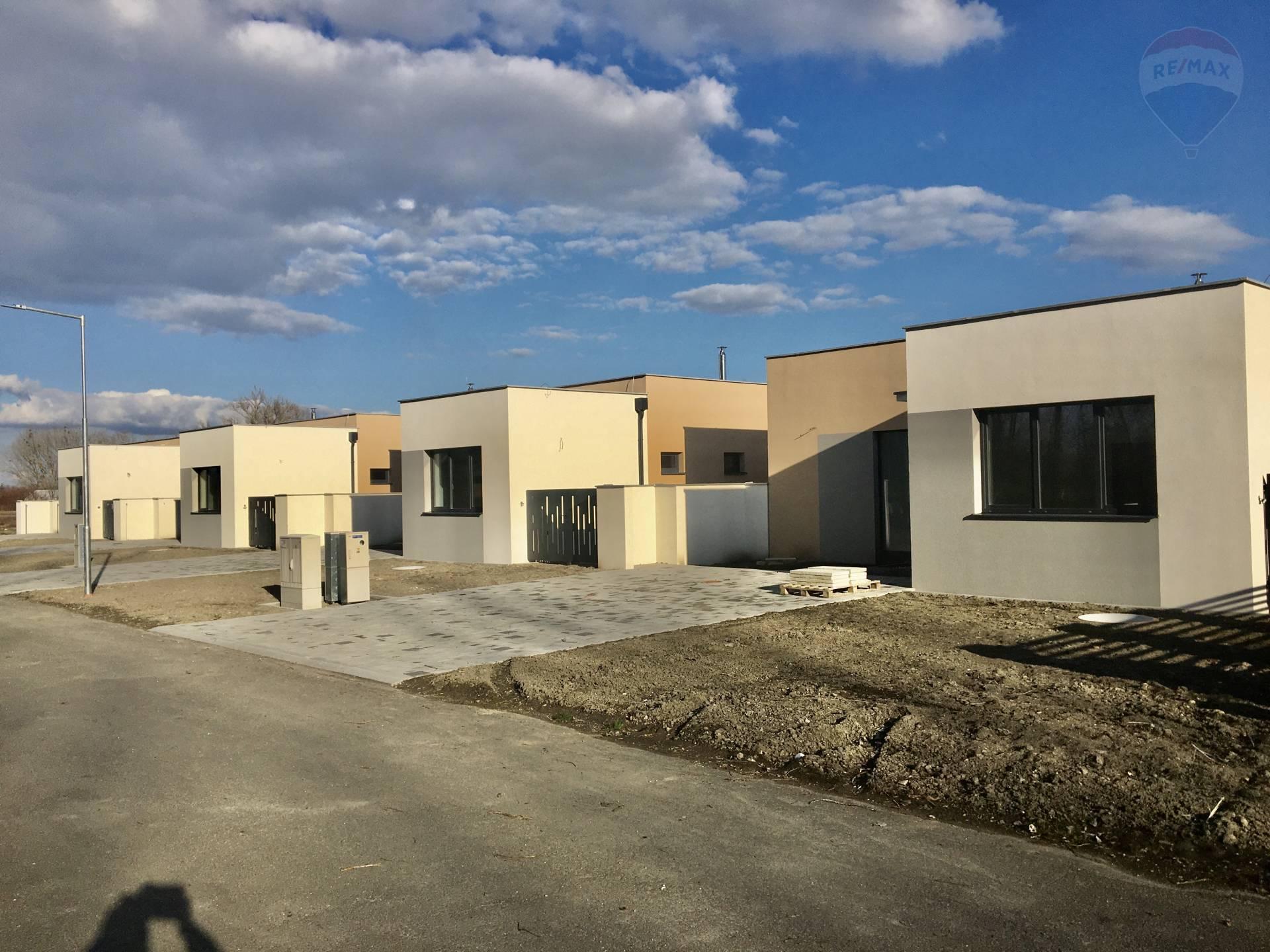 Predaj: 4i novostavba typu Bungalow v obci Dunajský Klátov,bývanie spojené s prírodou.