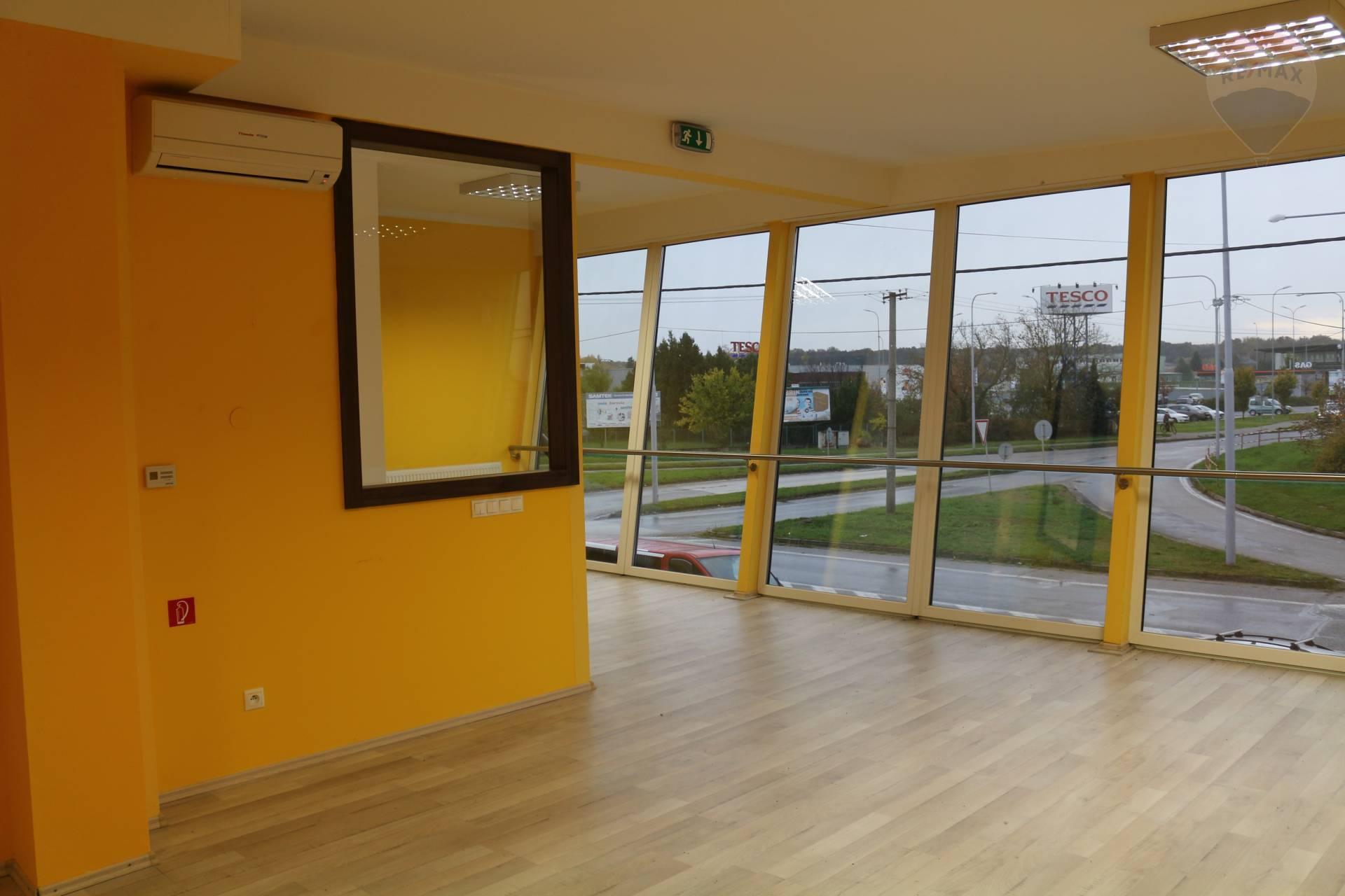 Prenájom 2.izb.bytu/obch.priestoru, 71 m2, Veľký Meder