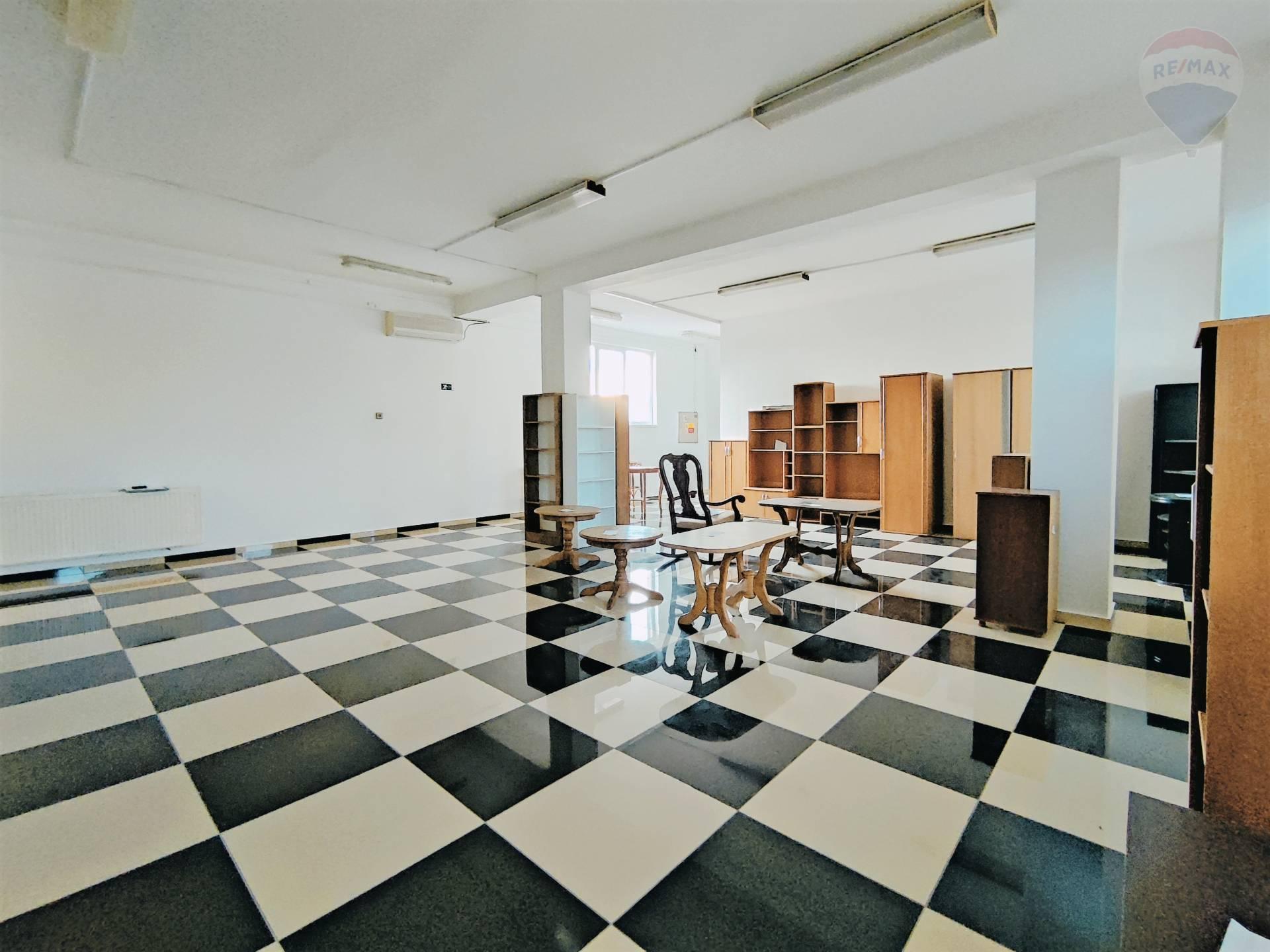 Prenájom komerčného priestoru 77 m2, Dunajská Streda - pohľad 2