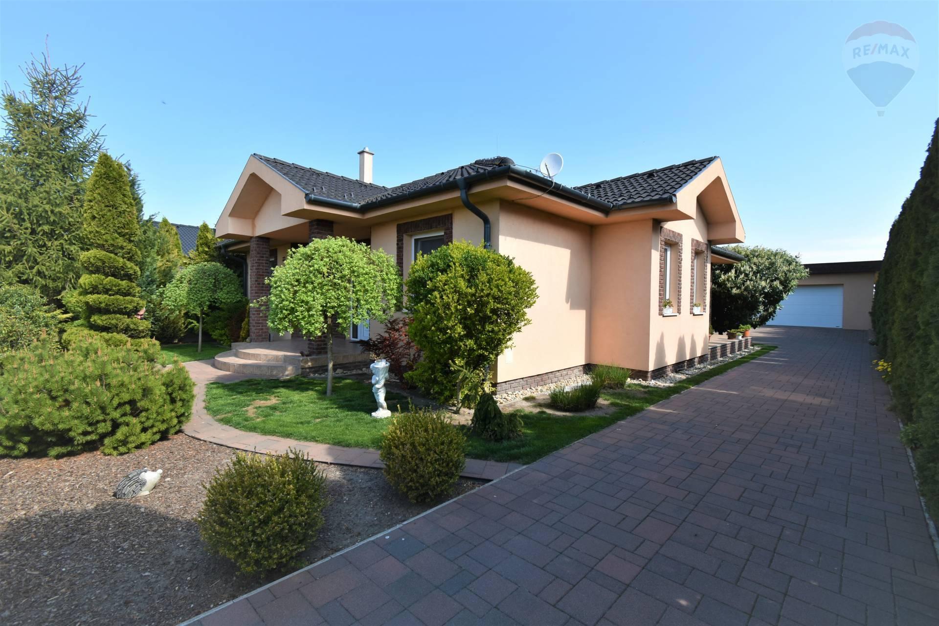 Predaj rodinného domu v Dunajskej Strede, 4 izby, pozemok 630 m2, dvojgaráž