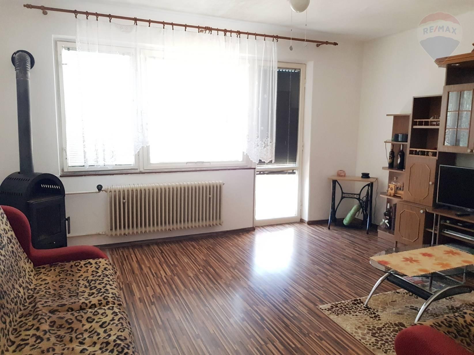 Na predaj 3 izbový byt, 68 m2, balkón, garáž, Dunajský Klátov