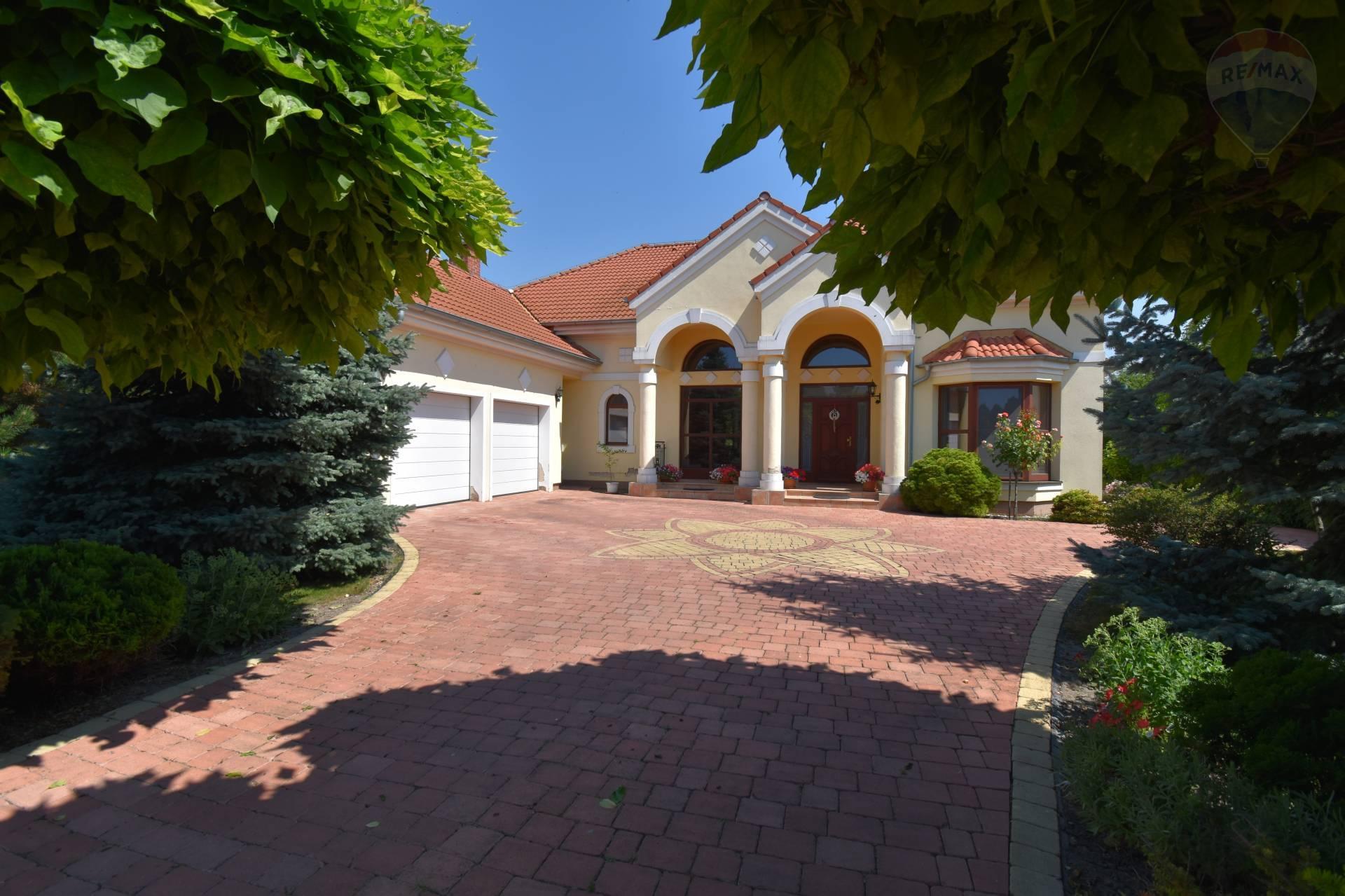 Predaj domu 251 m2, Malé Dvorníky -