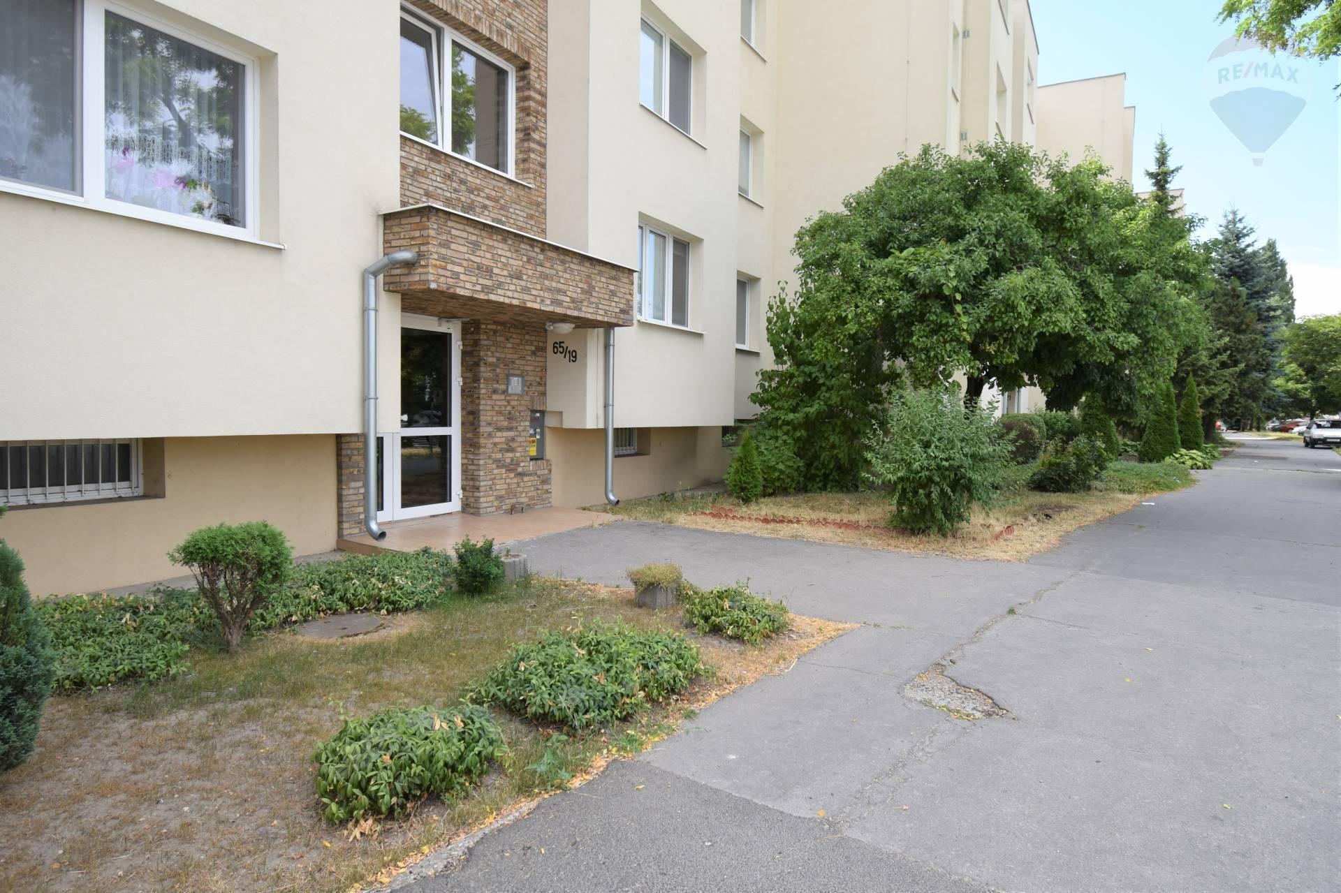 REZERVÁCIA! Predaj 3 izbového bytu v Dunajskej Strede, 79 m2, Veľkoblahovská cesta, po rekonštrukcií