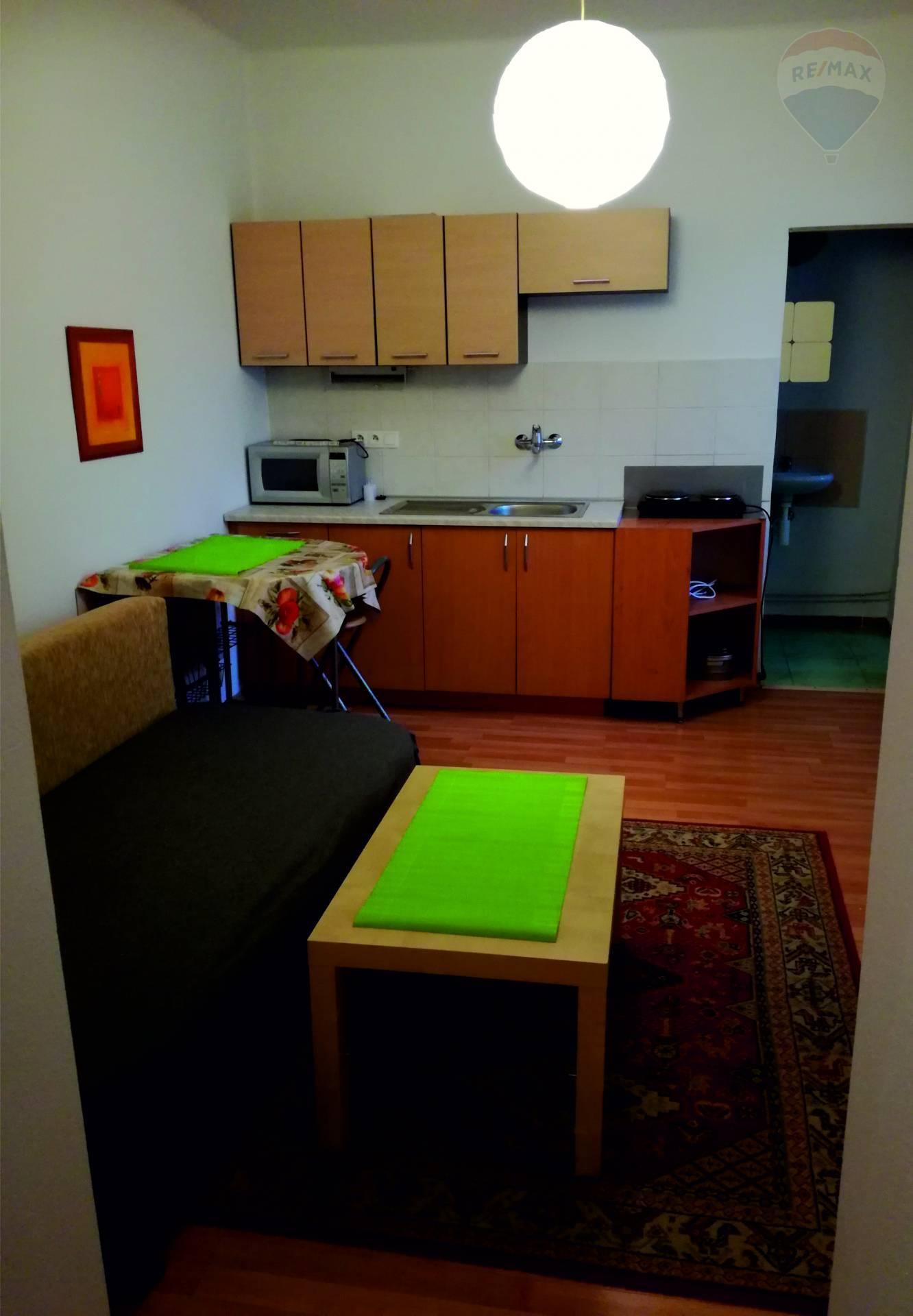 Prenájom bytu (1 izbový) 39 m2, Dunajská Streda -