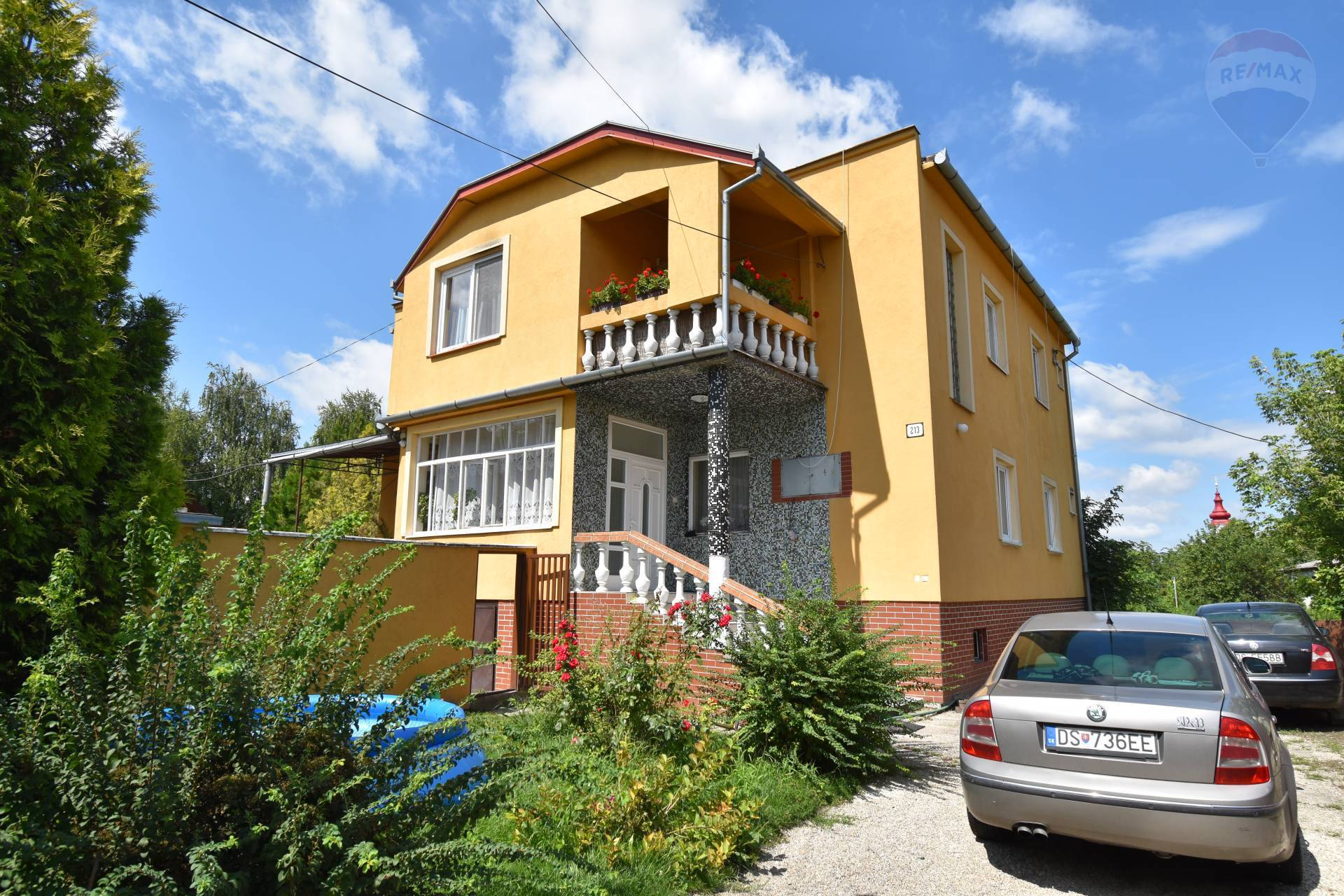 Predaj obytného domu s reštauráciou, Okoč, pozemok 1930 m2