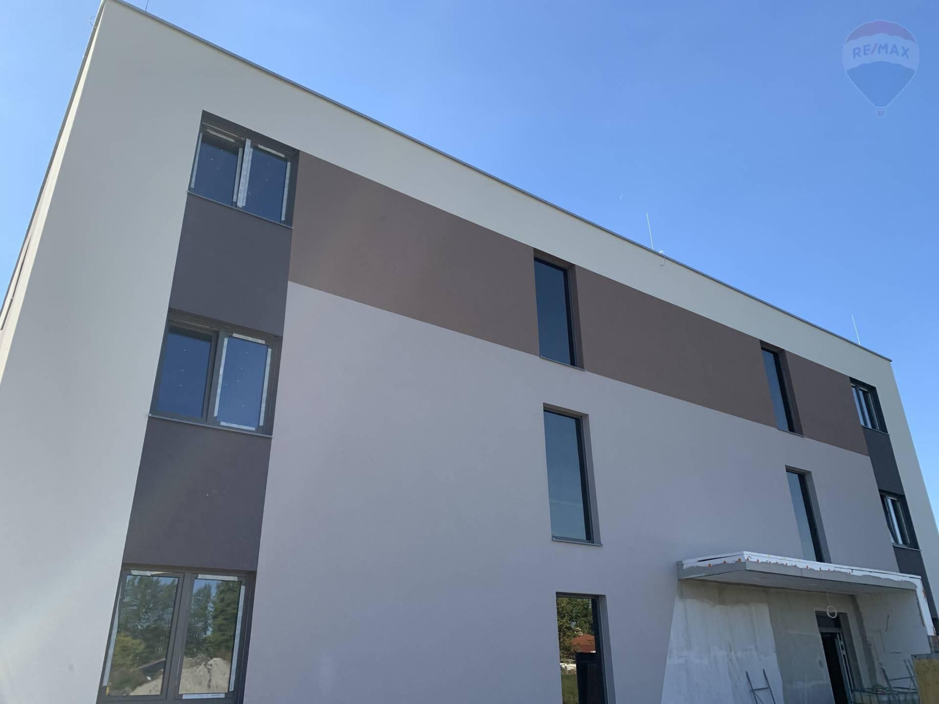 Predaj 3 izbový byt v Dunajskej Strede, Poľná cesta, 85 m2, novostavba, kolaudácia máj 2022