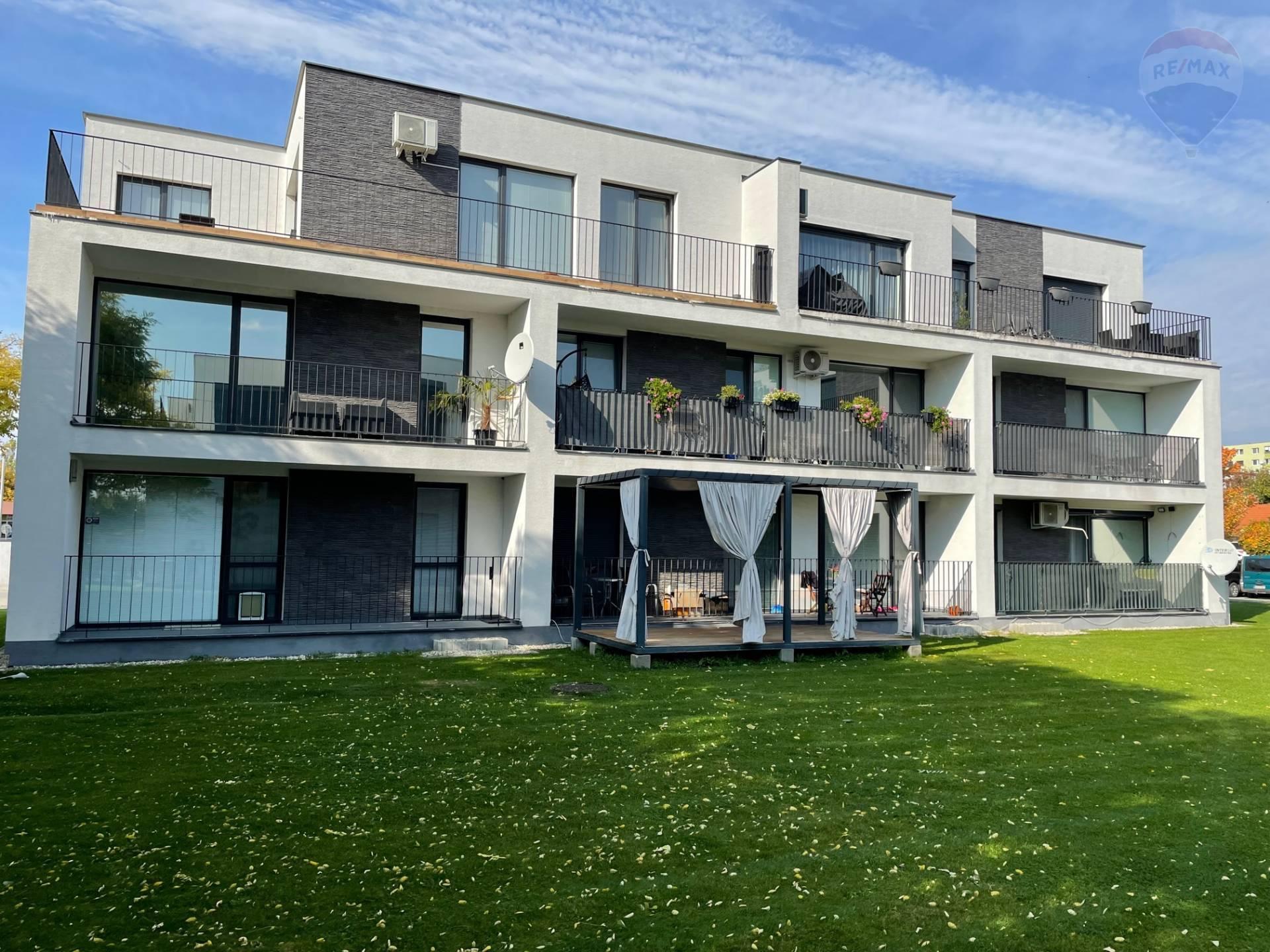 Predaj: 3-izbový byt, vlastný pozemok,  novostavba, Dunajská Streda