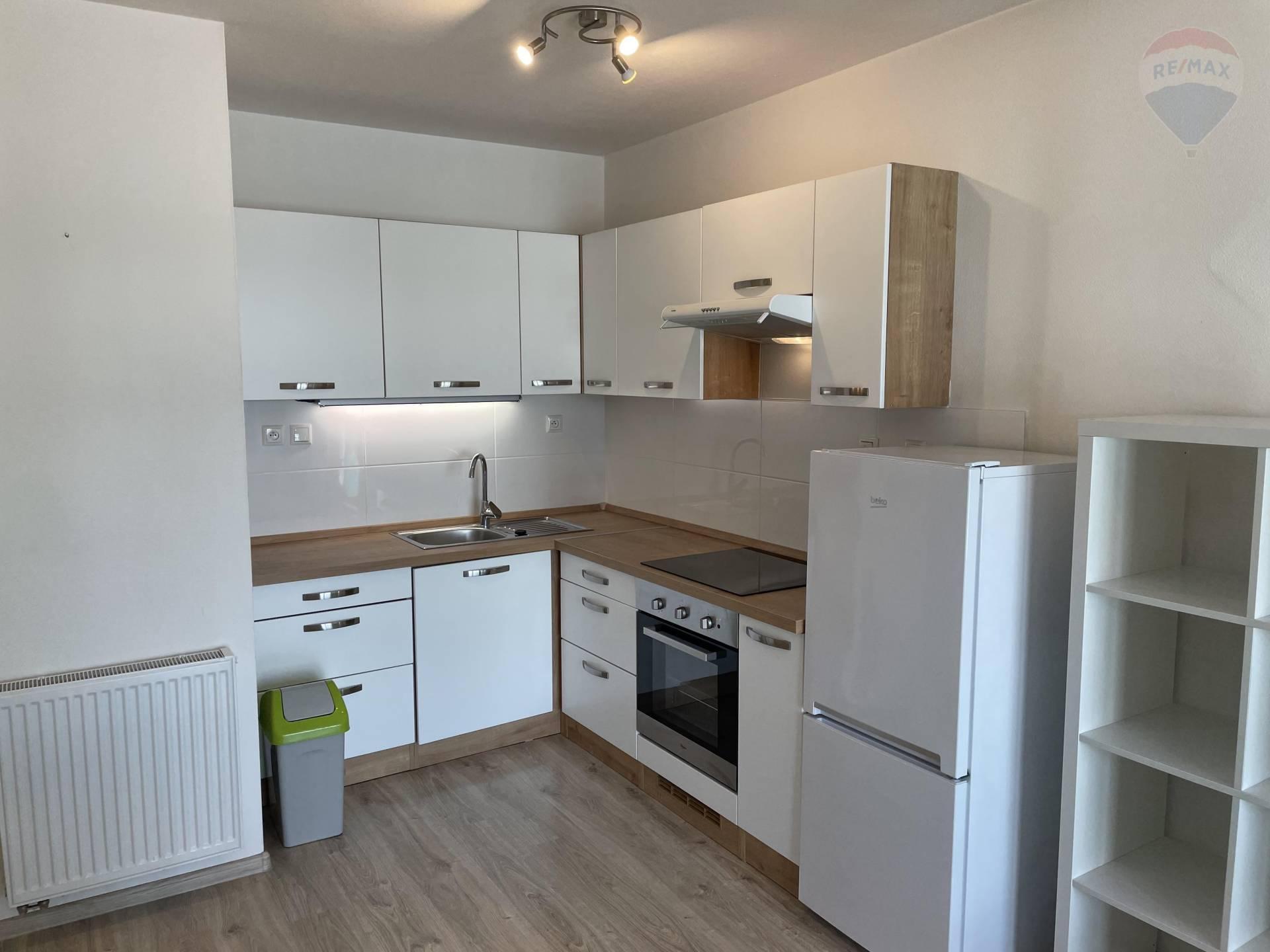 Prenájom 2 izbového bytu v novostavbe 403