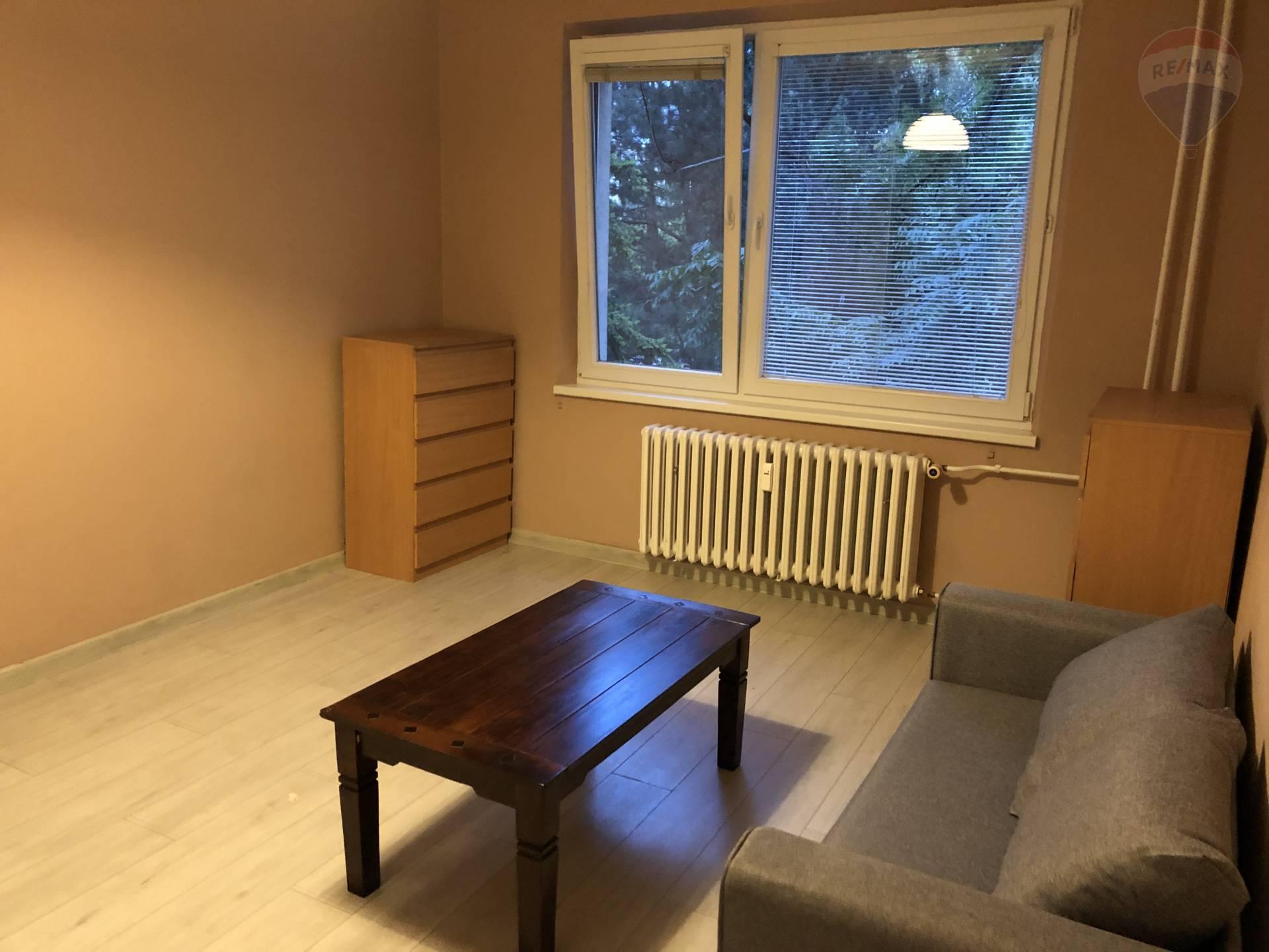 Prenájom bytu (1 izbový) 36 m2, Martin -