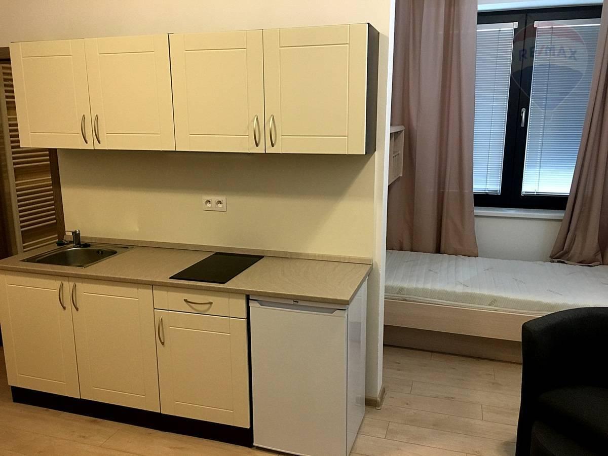 Prenájom bytu (garsónka) 23 m2, Martin - Prenájom garsónky v centre Martina