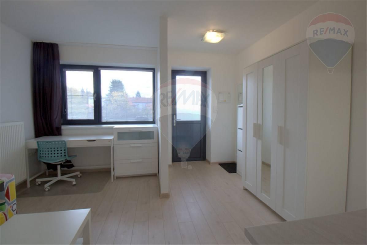 Prenájom bytu (garsónka) 27 m2, Martin - Prenájom garsónky v centre Martina