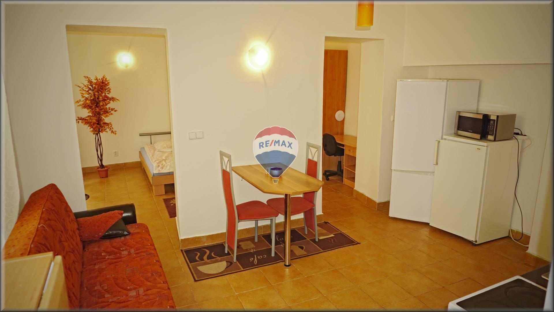 Kancelária s možnosťou bývania