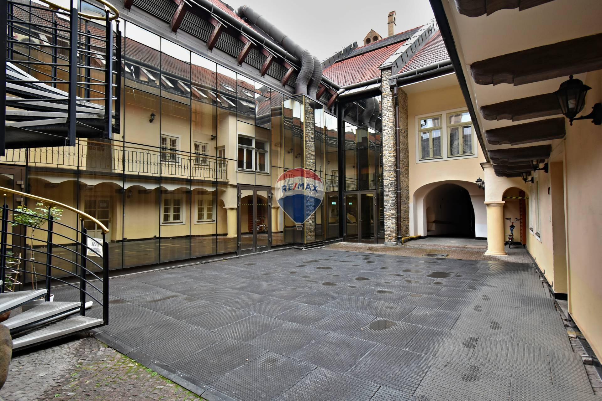 Predaj dvoch meštianskych domov v centre mesta 1800 m2