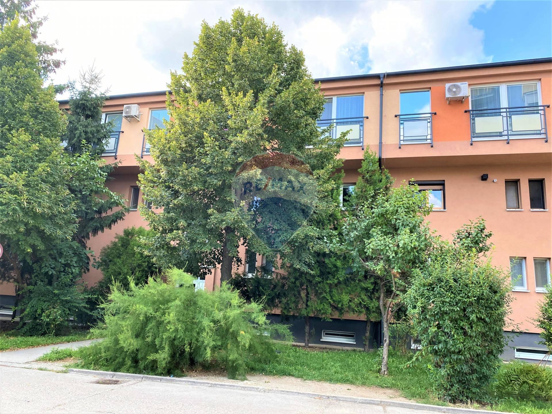 Predaj 2 izb. bytu, pôvodný stav, Turecká ul., Senec centrum
