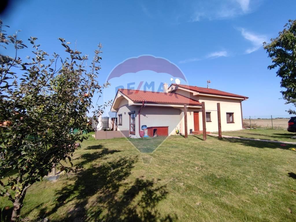 PRENÁJOM 5 izb. rod. domu, 160 m2, novostavba, pozemok 610 m2, Tureň, zariadený