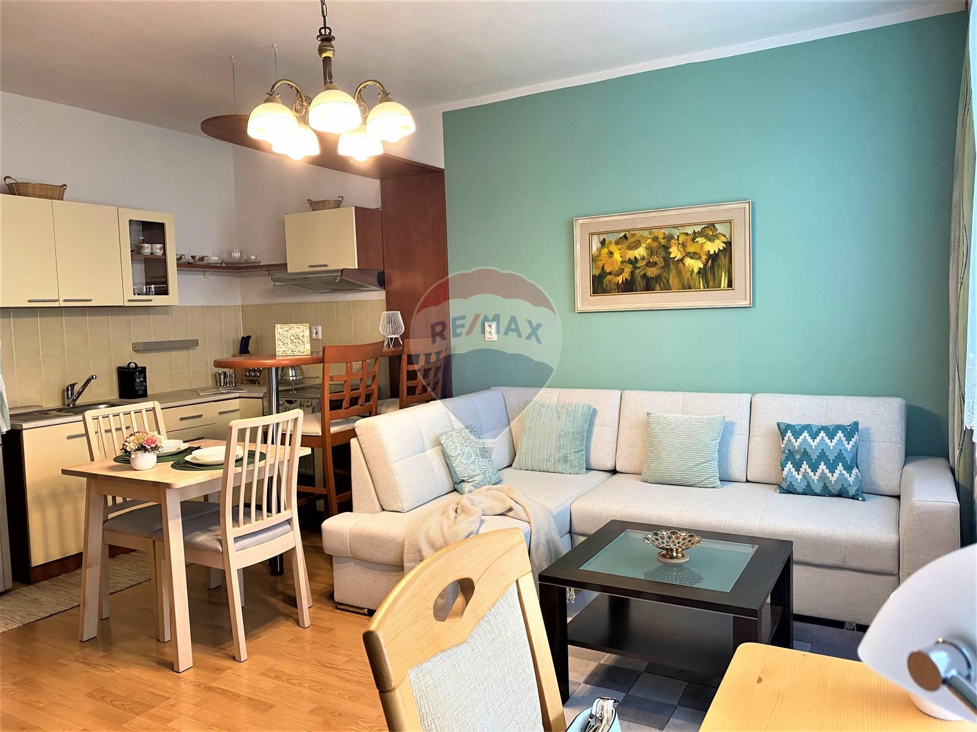 Prenájom bytu (1 izbový) 32 m2, Senec -