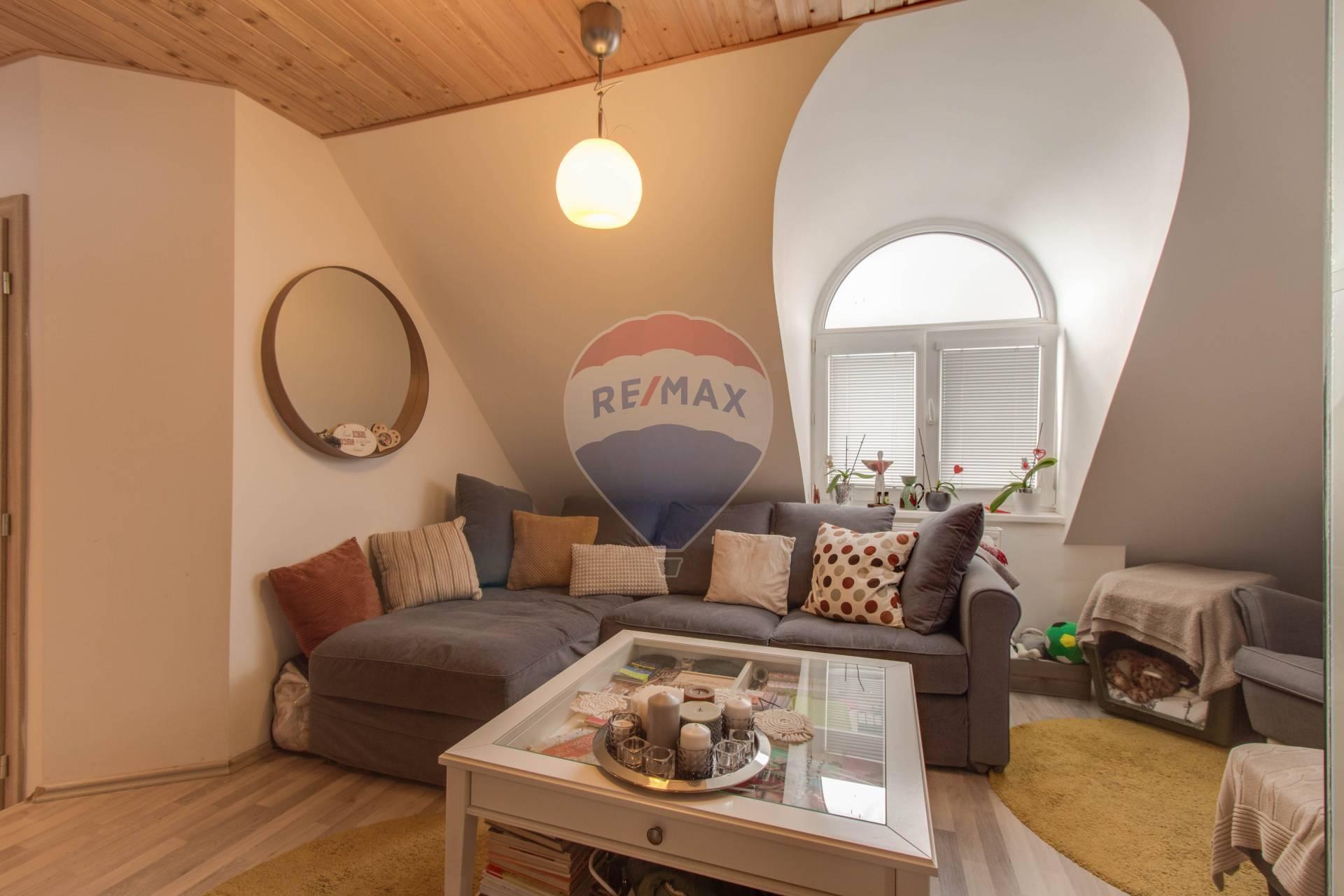 PREDAJ 2-izbového mezonetového bytu, Tranovského ul., Bratislava
