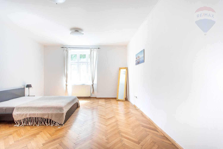 3 izbový byt v Starom meste - s výhľadom na SkyPark a Euroveu
