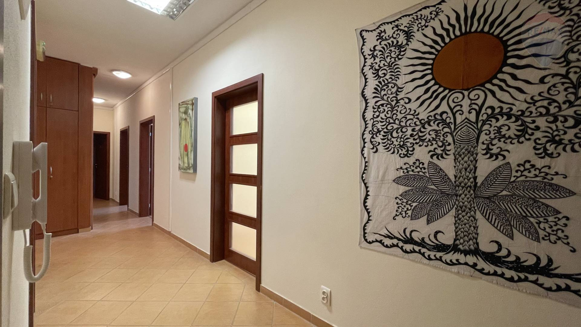 Predaj komerčného priestoru 136 m2, Bratislava - Ružinov - Komerčné priestory, PREDAJ, Tomášikova