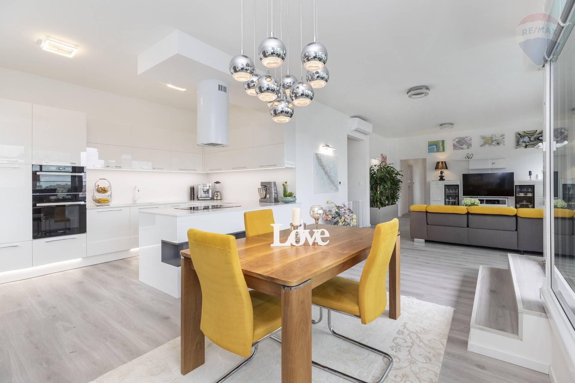 5 - izbový byt v projekte Pekná vyhliadka v Dúbravke
