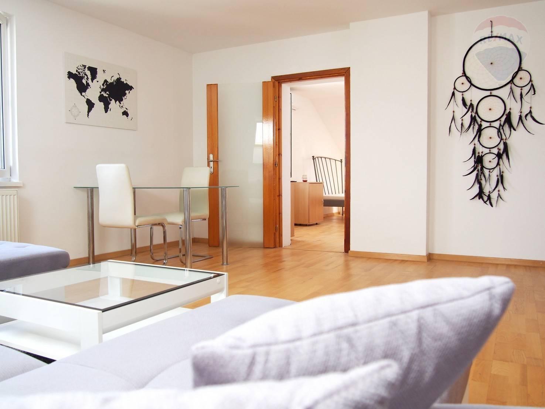 PRENÁJOM, 2 izbový byt s parkovacím miestom pri bytovom dome, Na pasekách 19, Bratislava – Rača