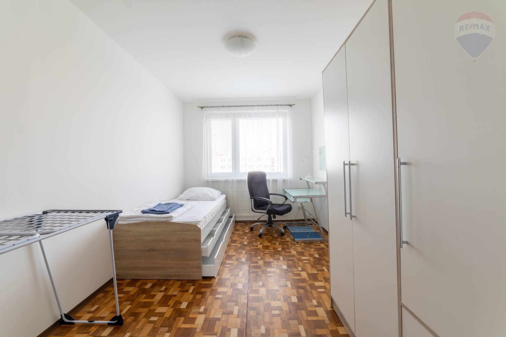 Prenájom bytu (3 izbový) 70 m2, Bratislava - Petržalka -