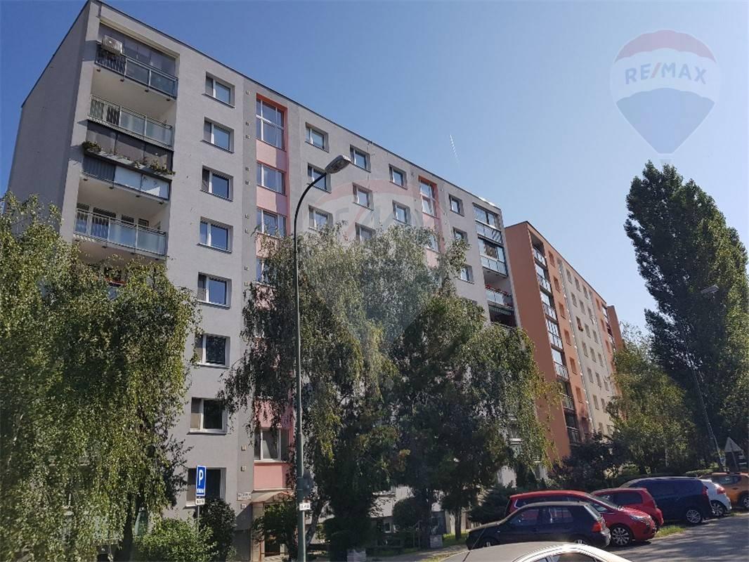 Predaj bytu (2 izbový) 56 m2, Bratislava - Lamač -