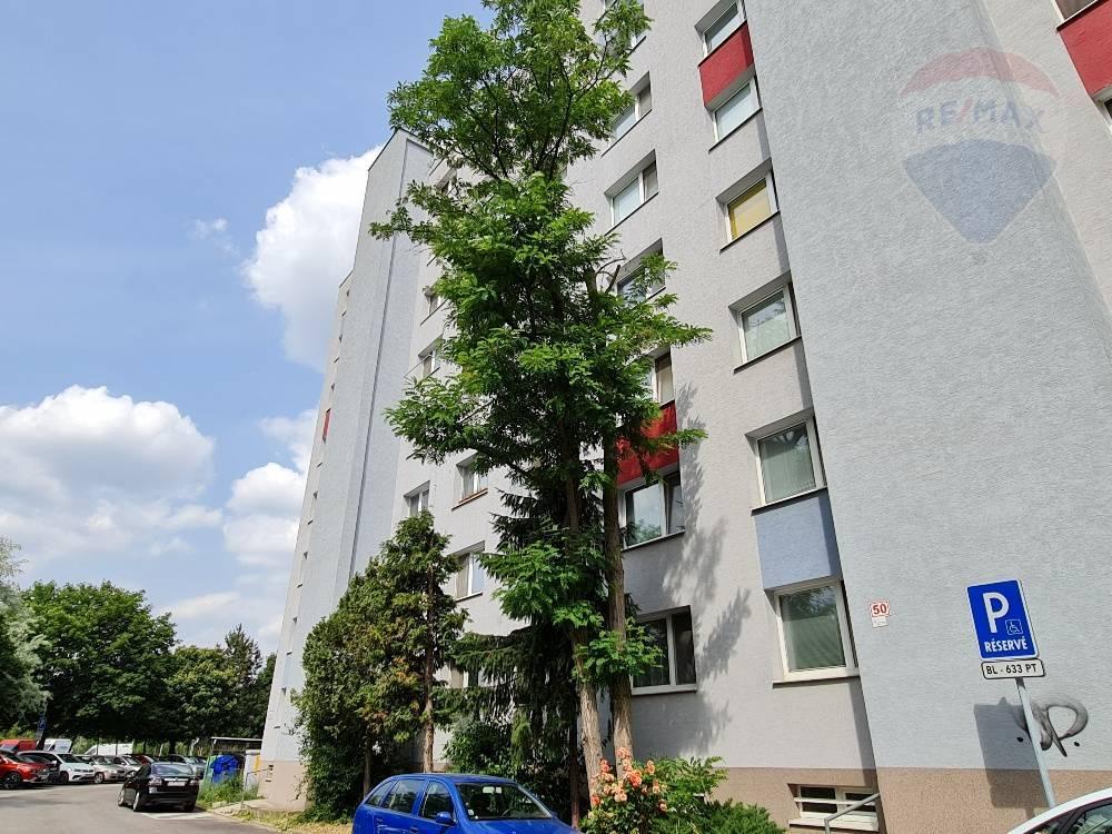 Predaj bytu (2 izbový) 53 m2, Bratislava - Podunajské Biskupice -
